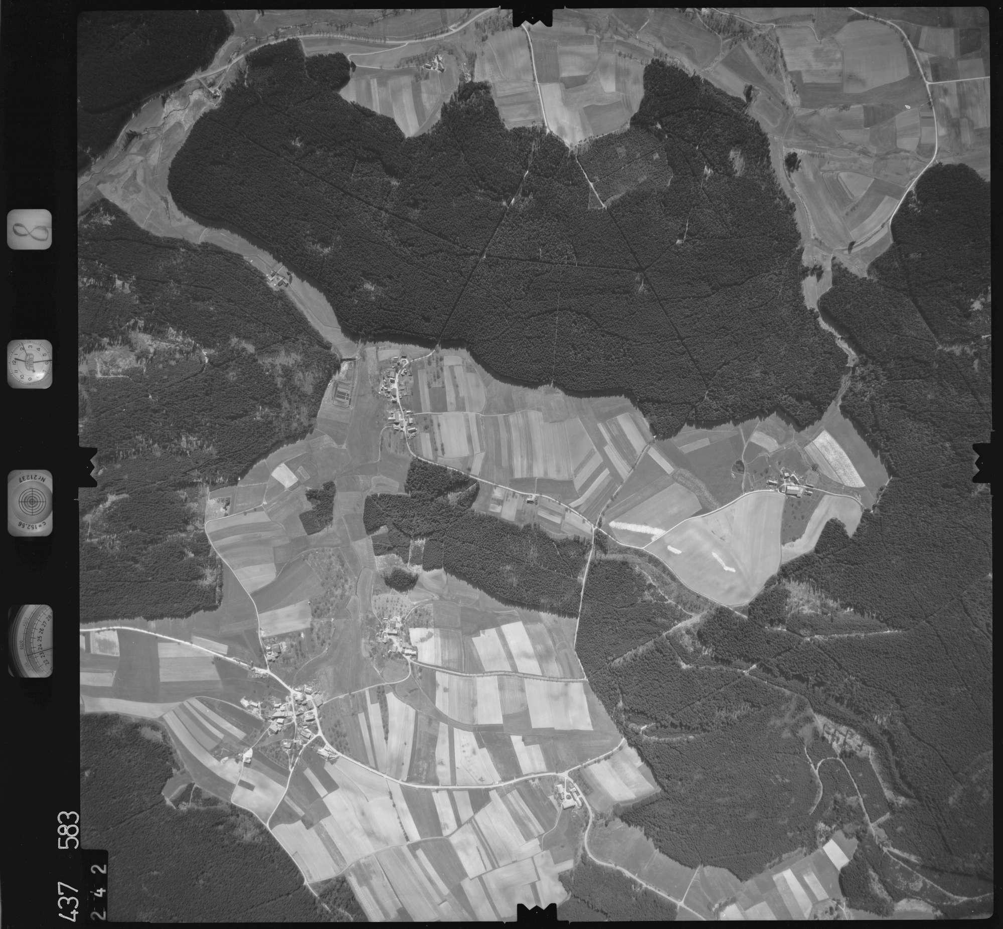 Luftbild: Film 8 Bildnr. 242, Bild 1