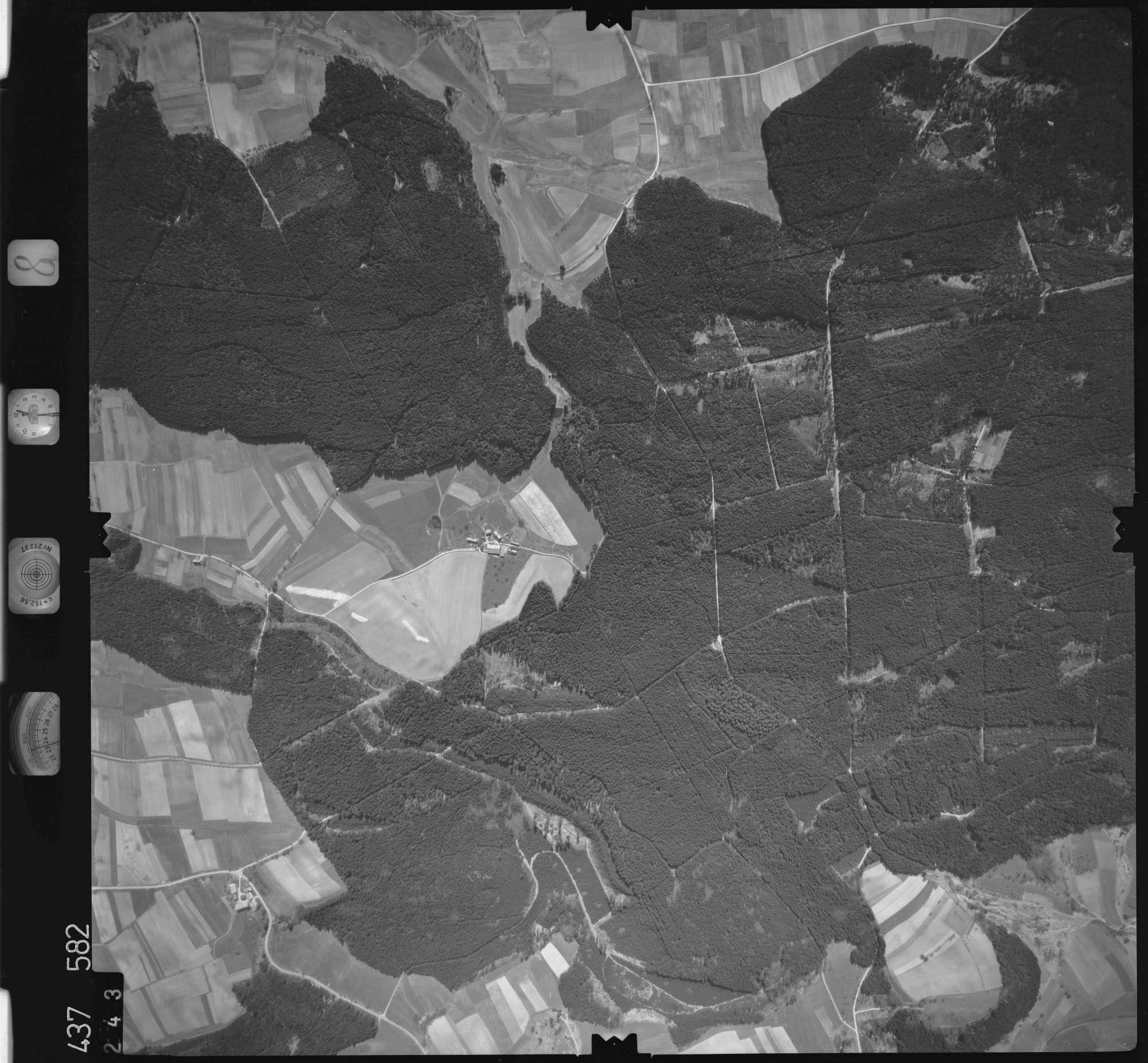 Luftbild: Film 8 Bildnr. 243, Bild 1
