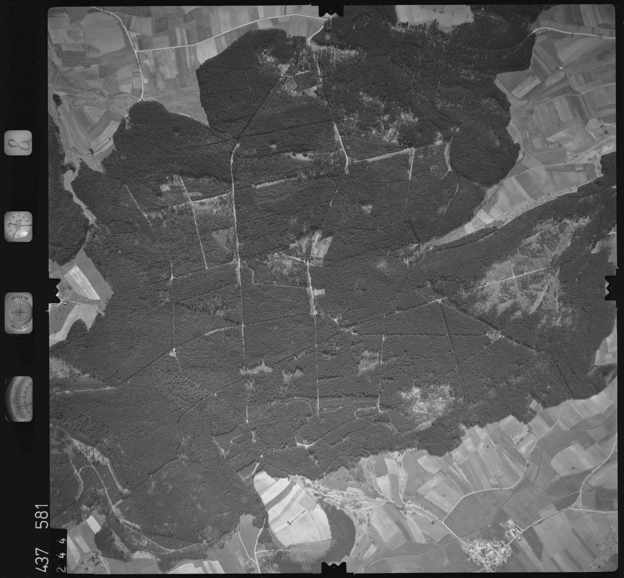 Luftbild: Film 8 Bildnr. 244, Bild 1