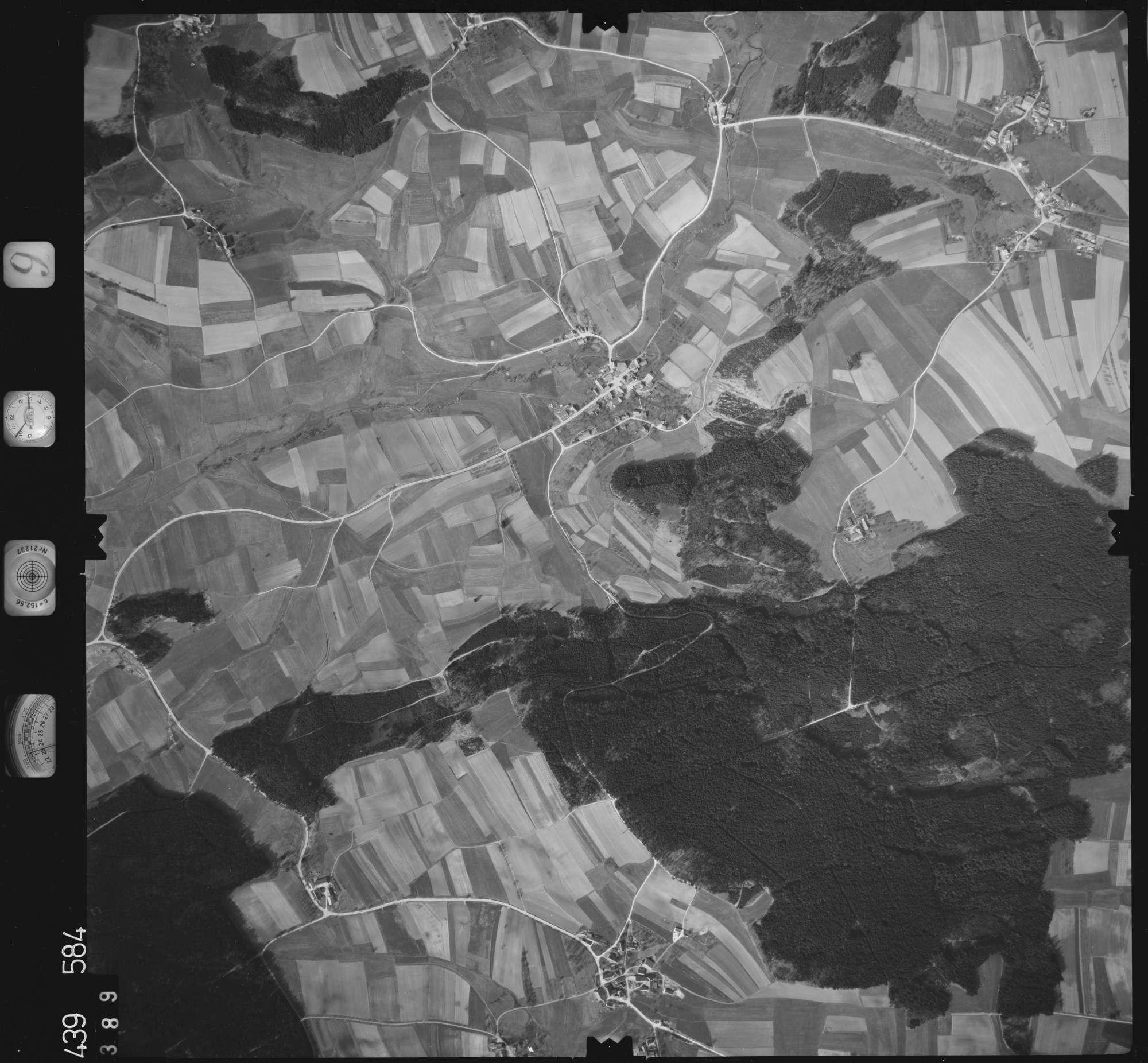 Luftbild: Film 9 Bildnr. 389, Bild 1