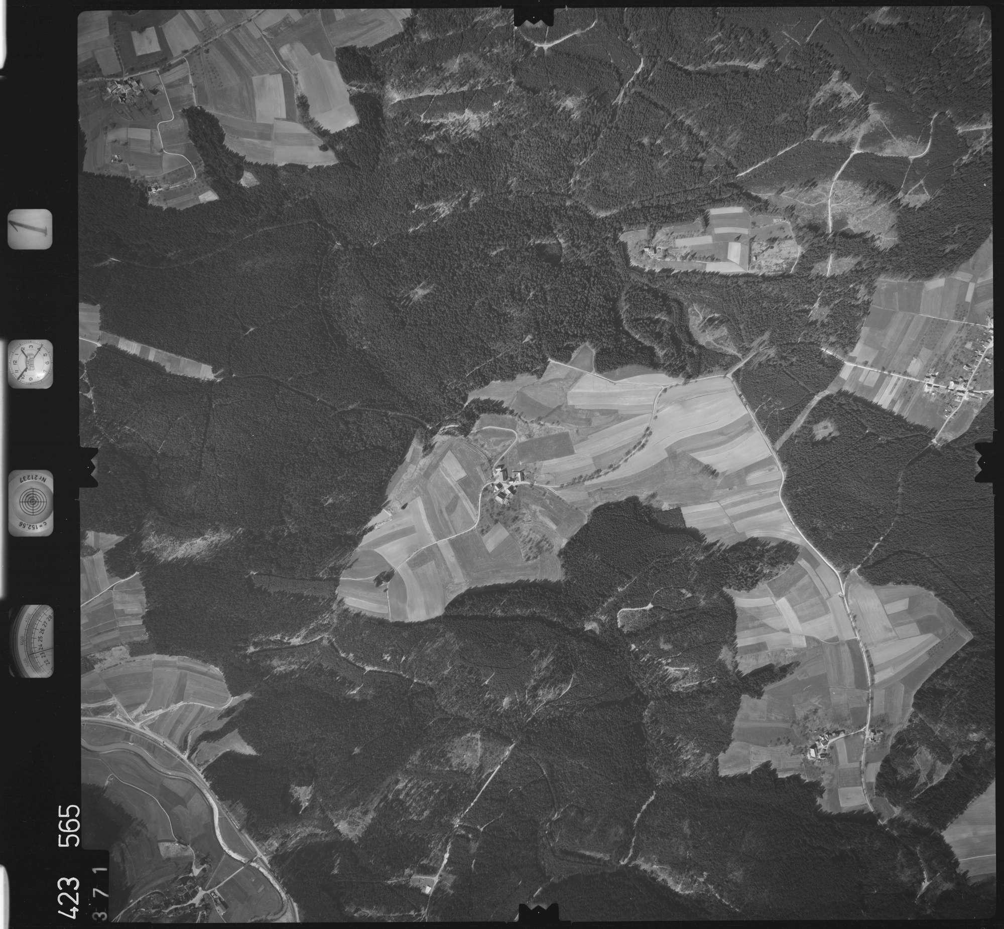 Luftbild: Film 1 Bildnr. 371, Bild 1