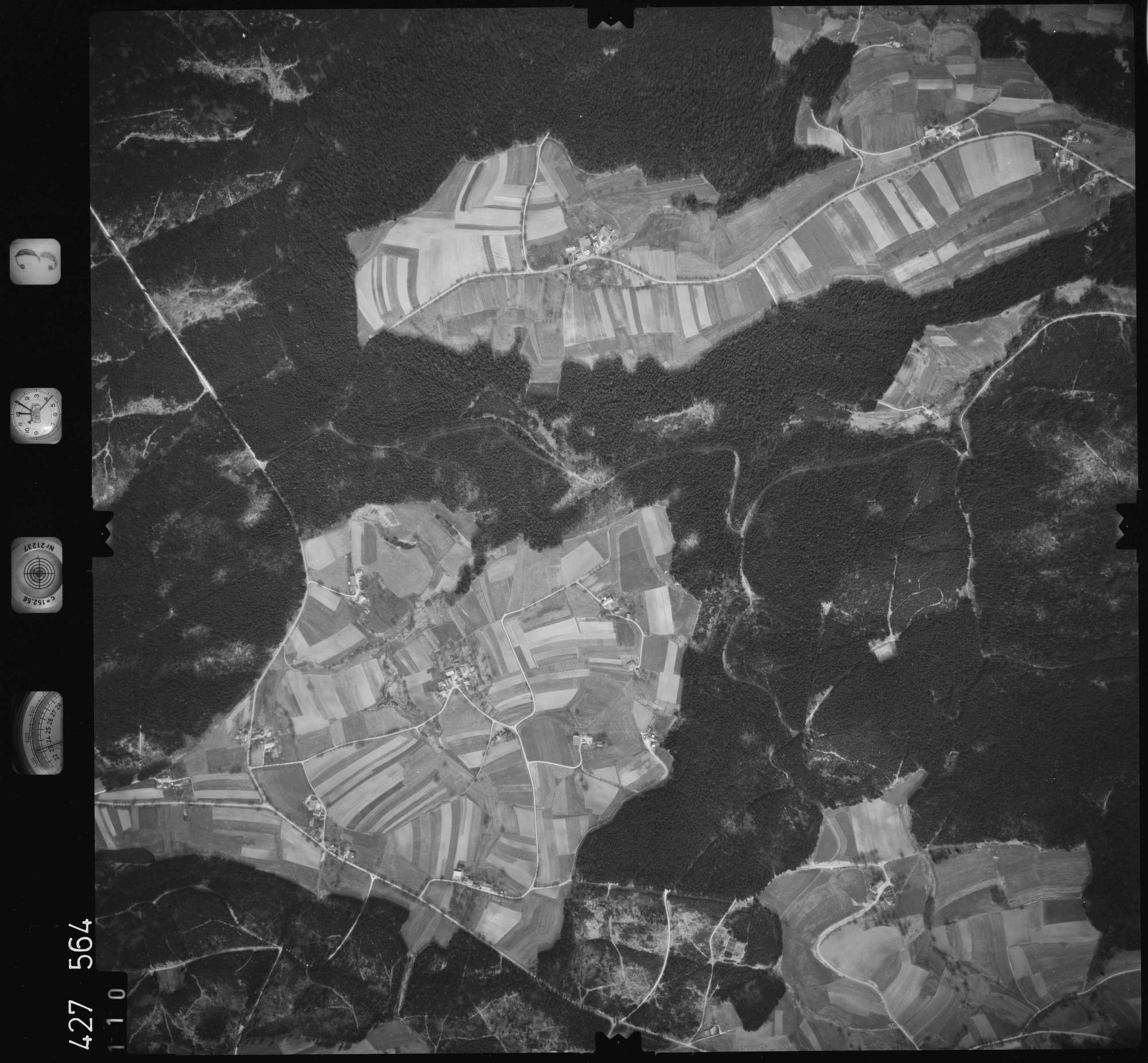 Luftbild: Film 3 Bildnr. 110, Bild 1