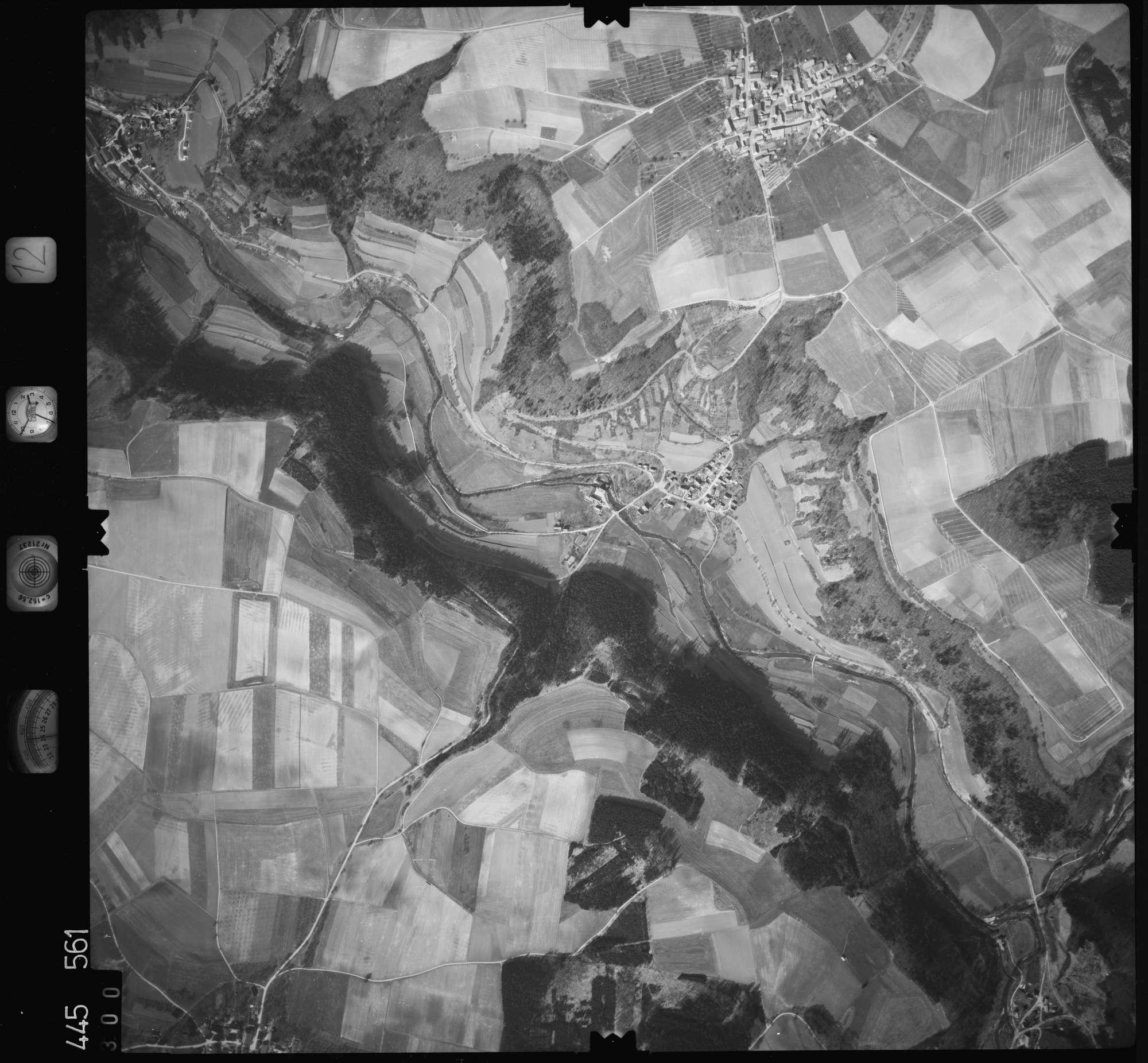 Luftbild: Film 12 Bildnr. 300, Bild 1