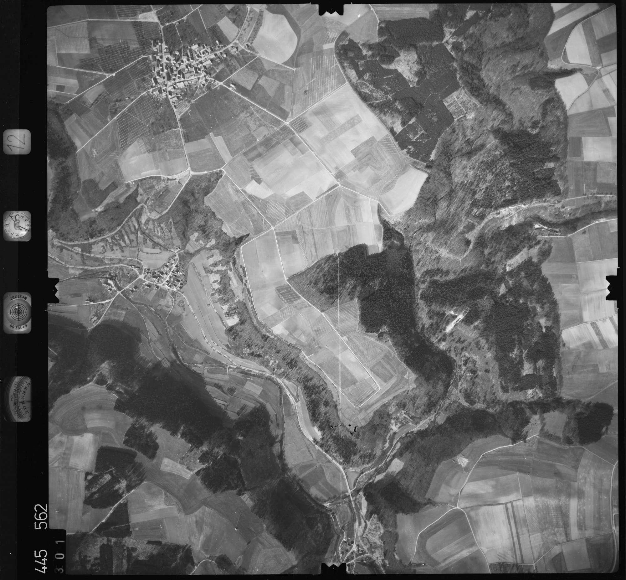 Luftbild: Film 12 Bildnr. 301, Bild 1