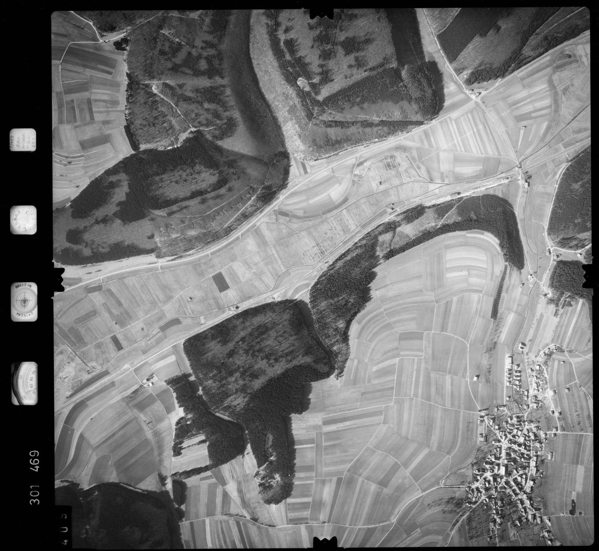 Luftbild: Film 64 Bildnr. 409, Bild 1