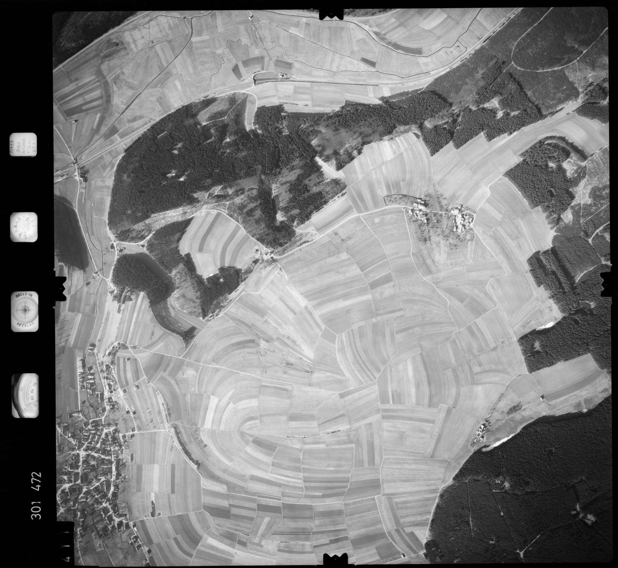 Luftbild: Film 64 Bildnr. 411, Bild 1