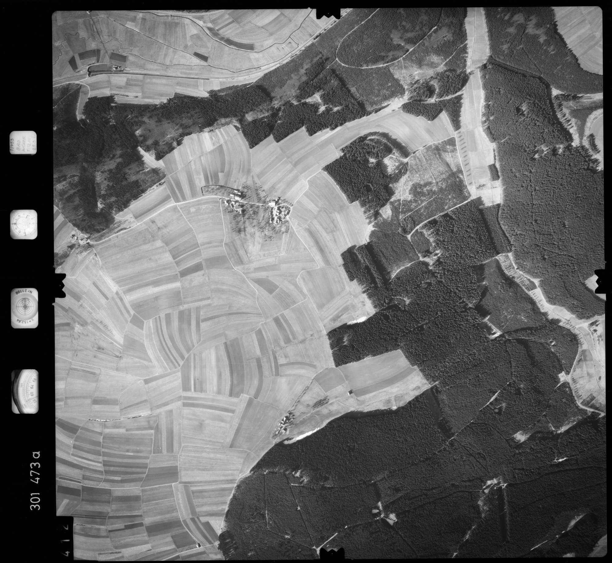 Luftbild: Film 64 Bildnr. 412, Bild 1