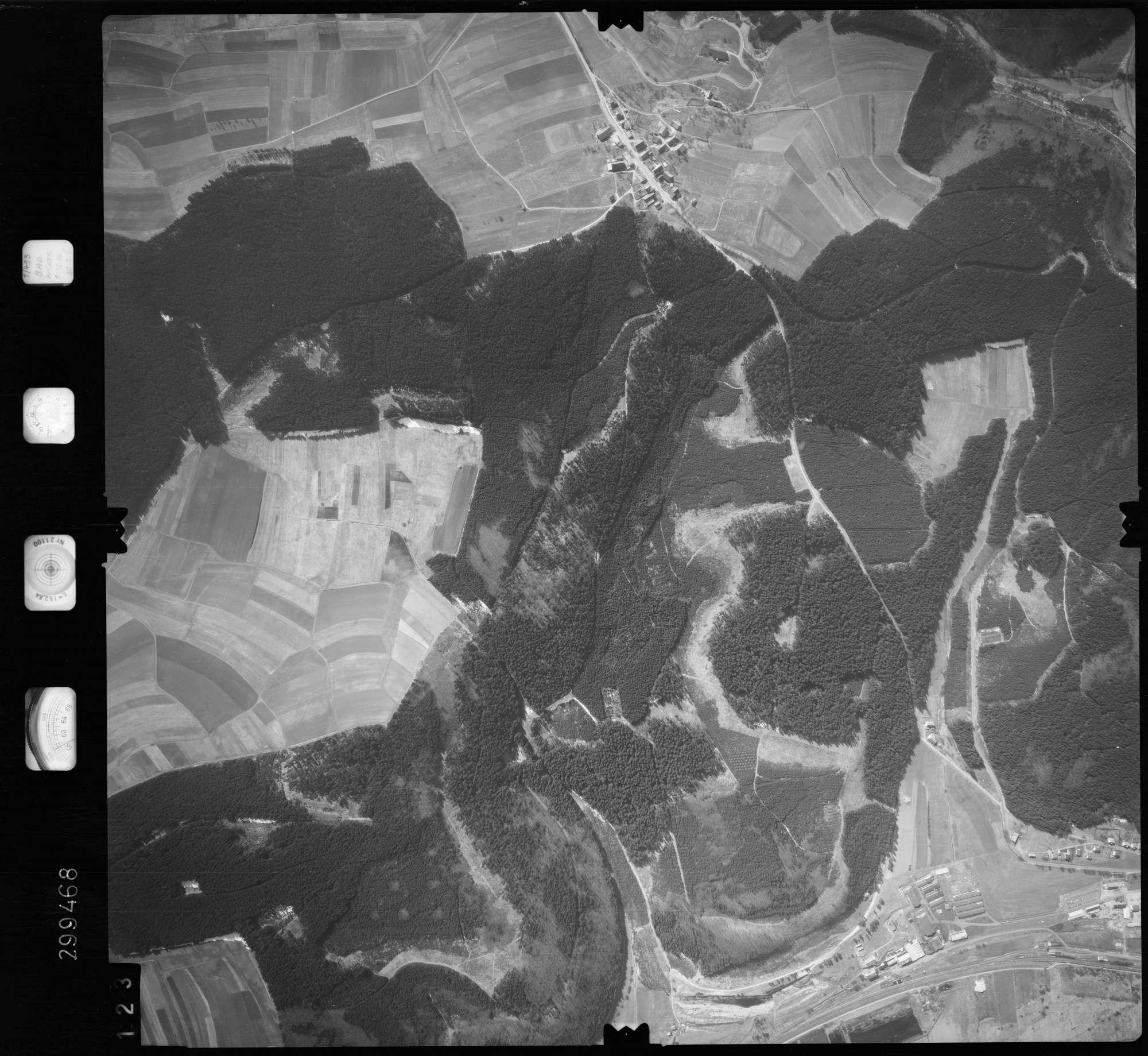 Luftbild: Film 66 Bildnr. 123, Bild 1