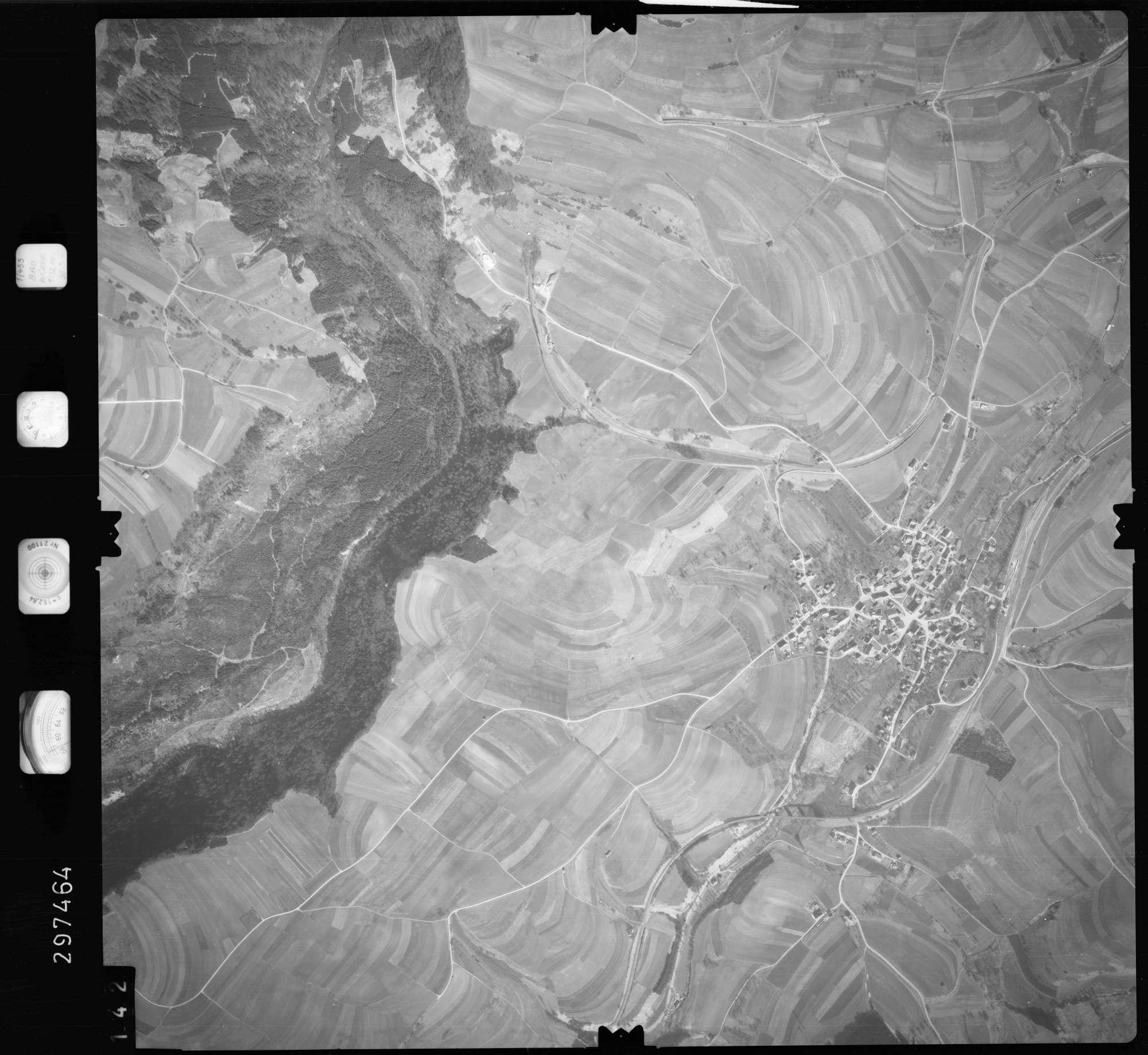 Luftbild: Film 66 Bildnr. 142, Bild 1