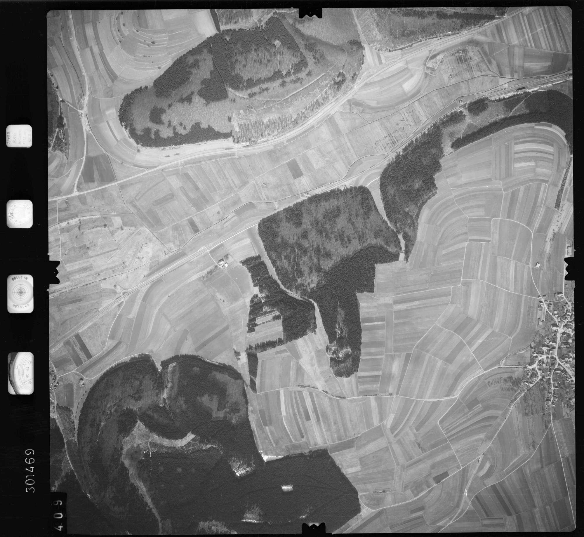 Luftbild: Film 69 Bildnr. 409, Bild 1