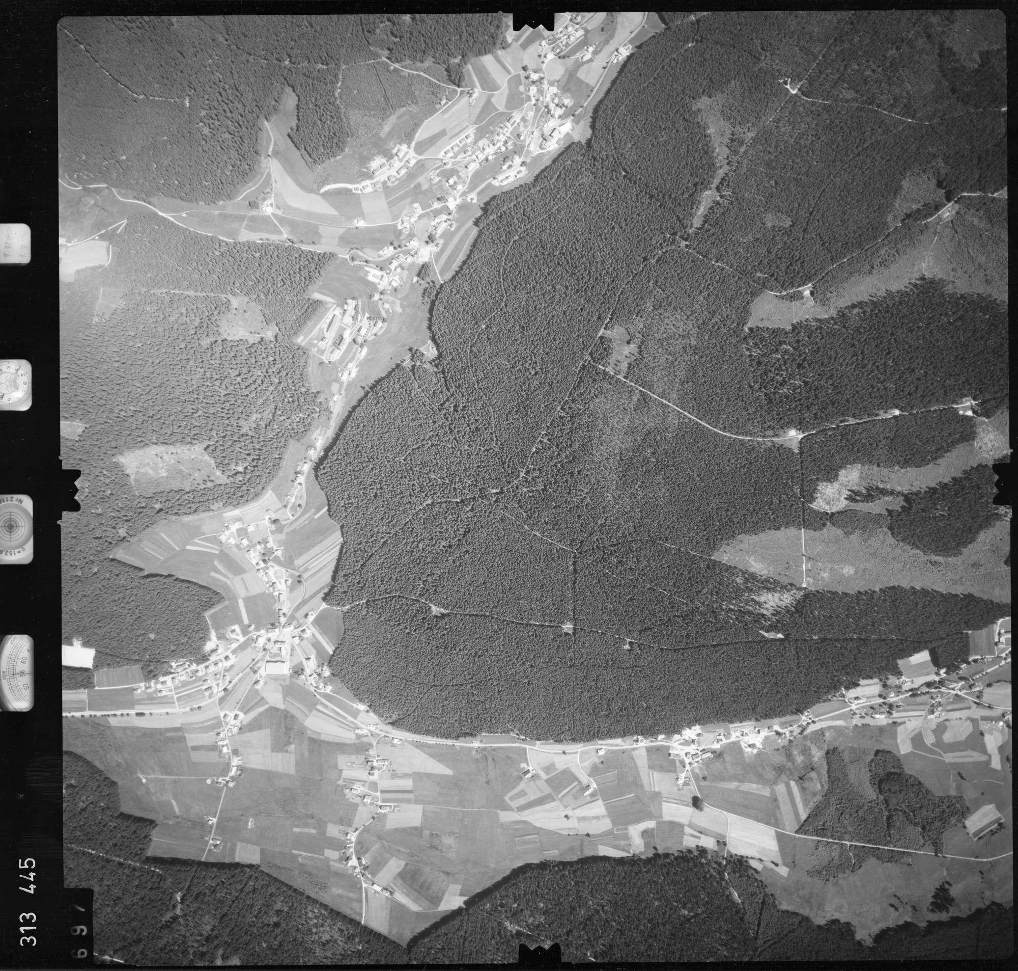 Luftbild: Film 56 Bildnr. 697, Bild 1