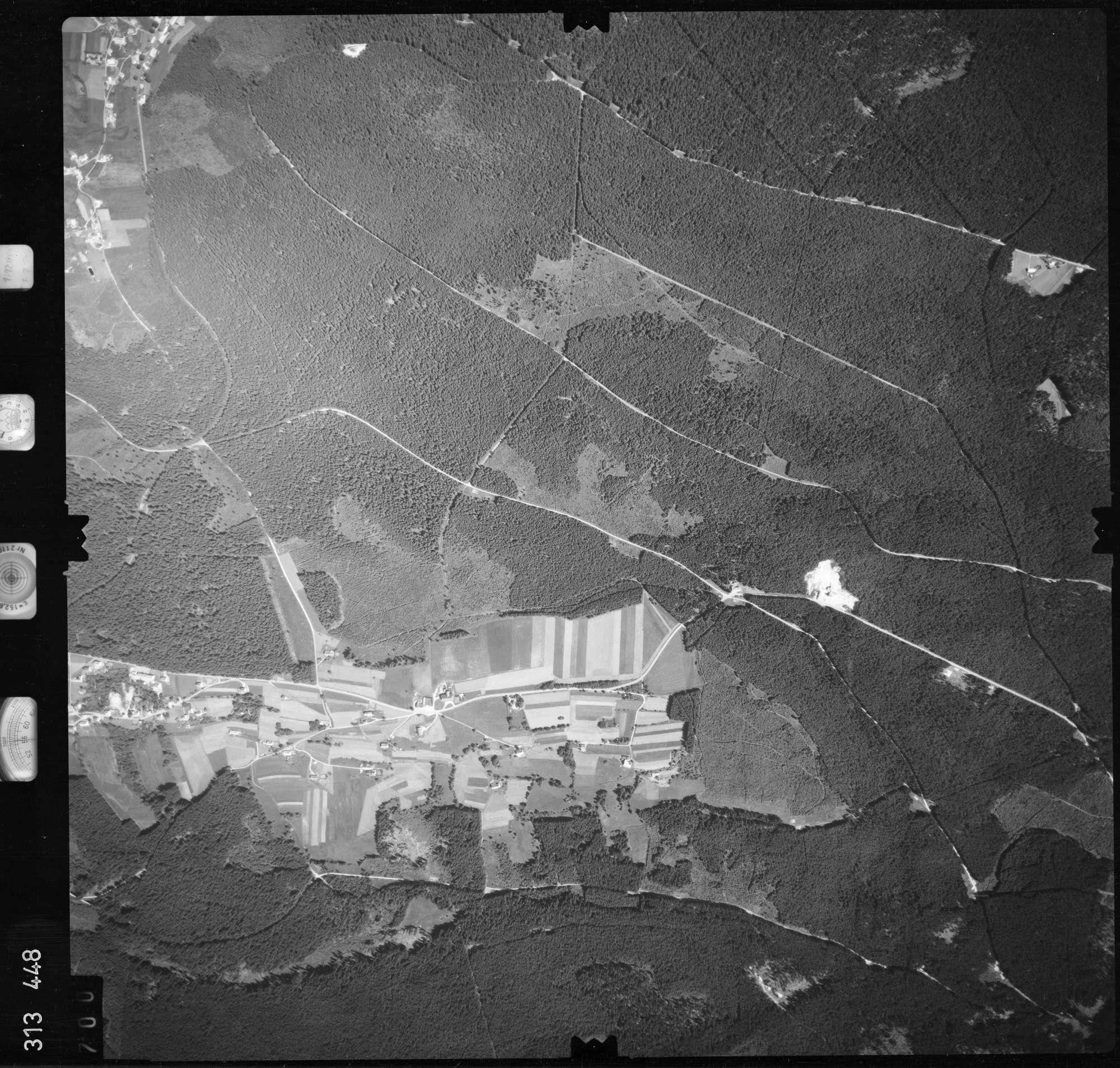 Luftbild: Film 56 Bildnr. 700, Bild 1
