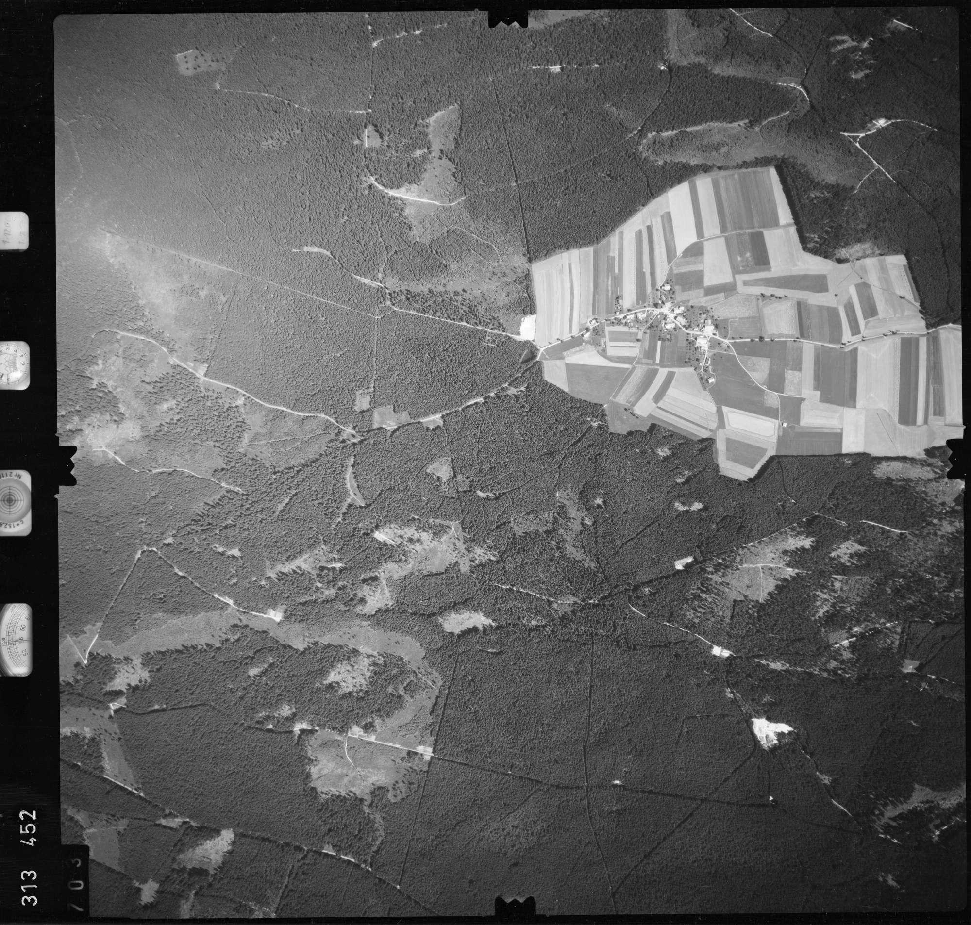 Luftbild: Film 56 Bildnr. 703, Bild 1