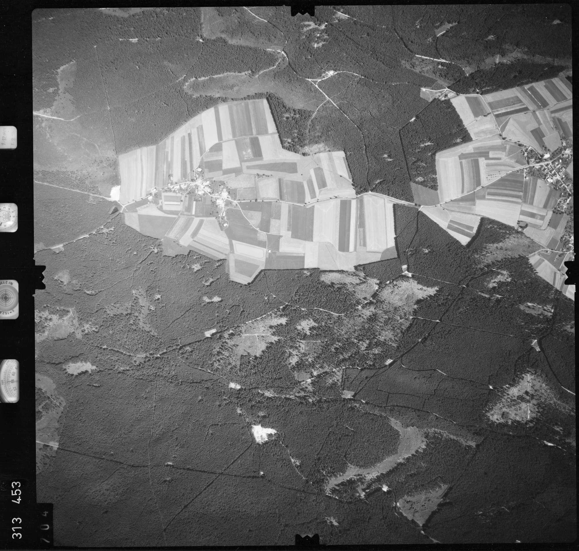 Luftbild: Film 56 Bildnr. 704, Bild 1