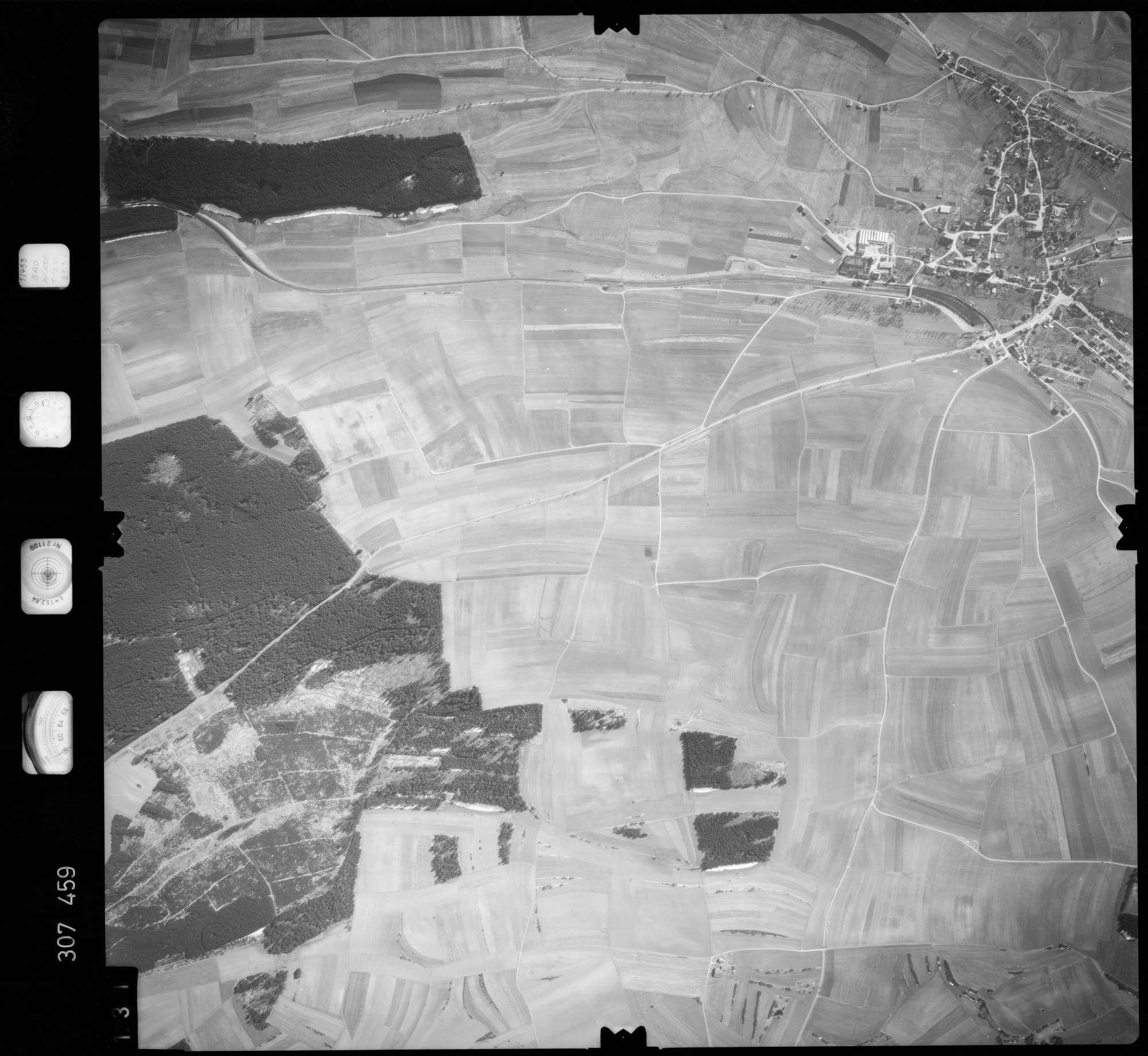 Luftbild: Film 61 Bildnr. 131, Bild 1