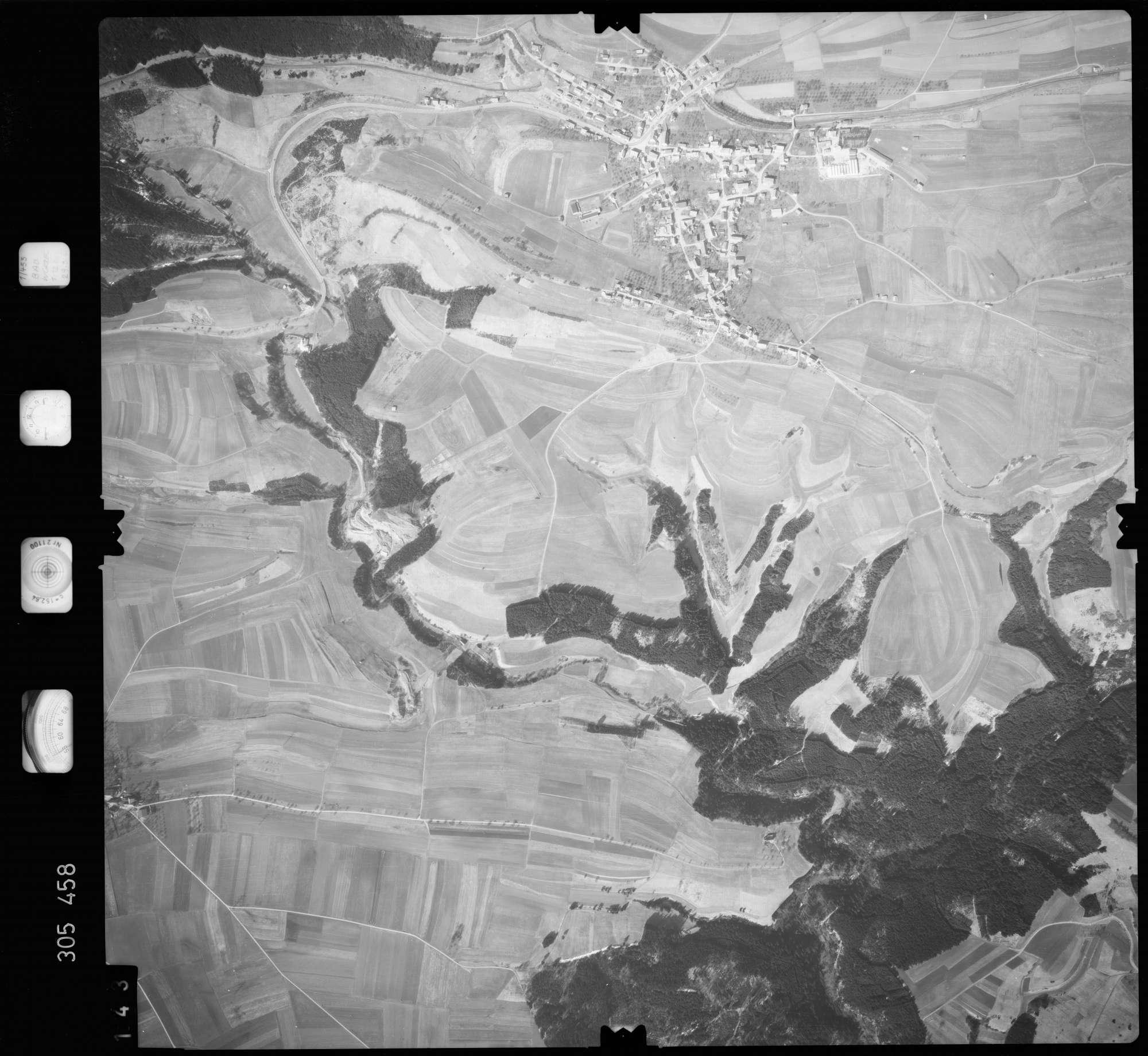 Luftbild: Film 61 Bildnr. 143, Bild 1