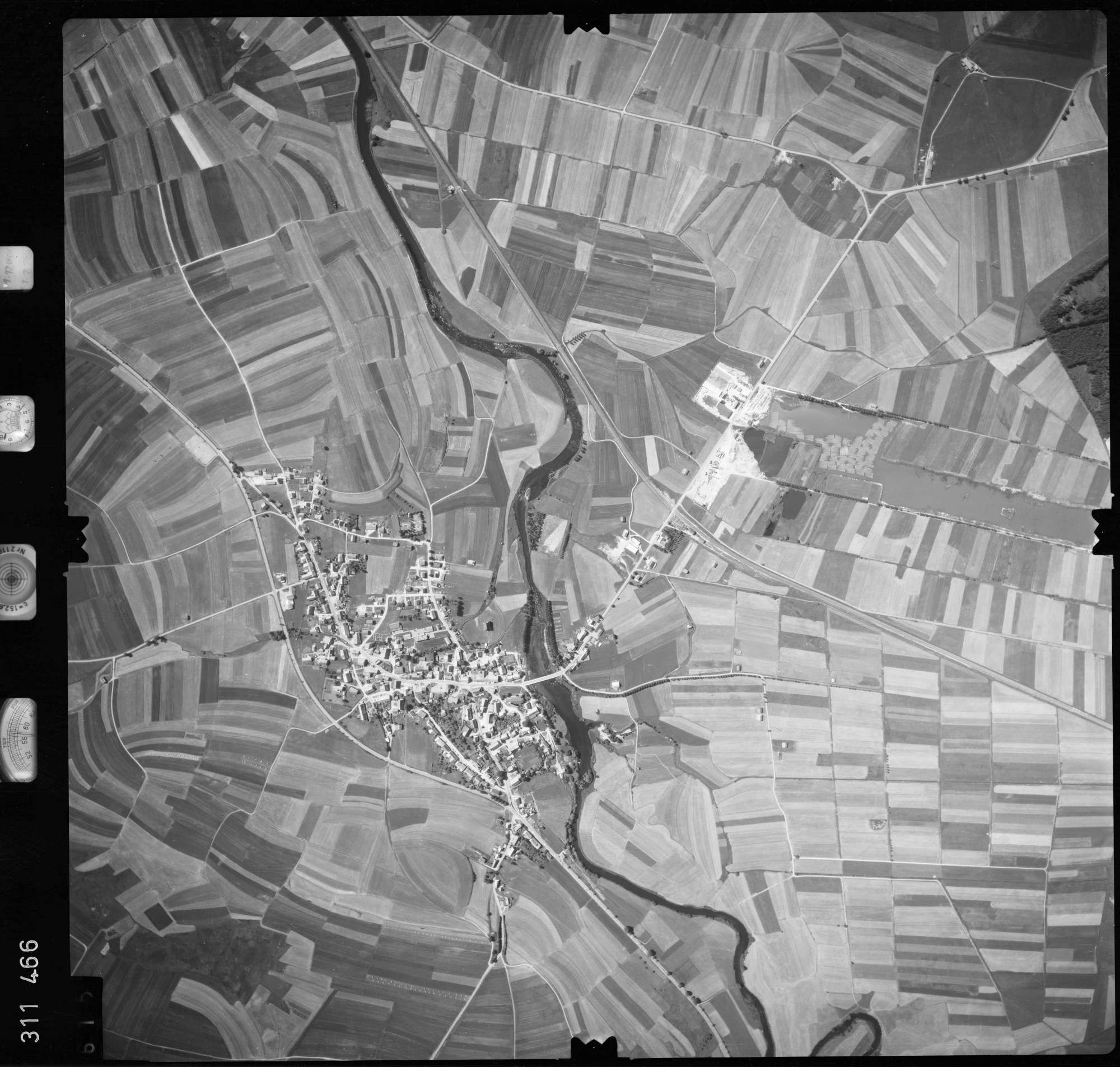 Luftbild: Film 56 Bildnr. 615, Bild 1