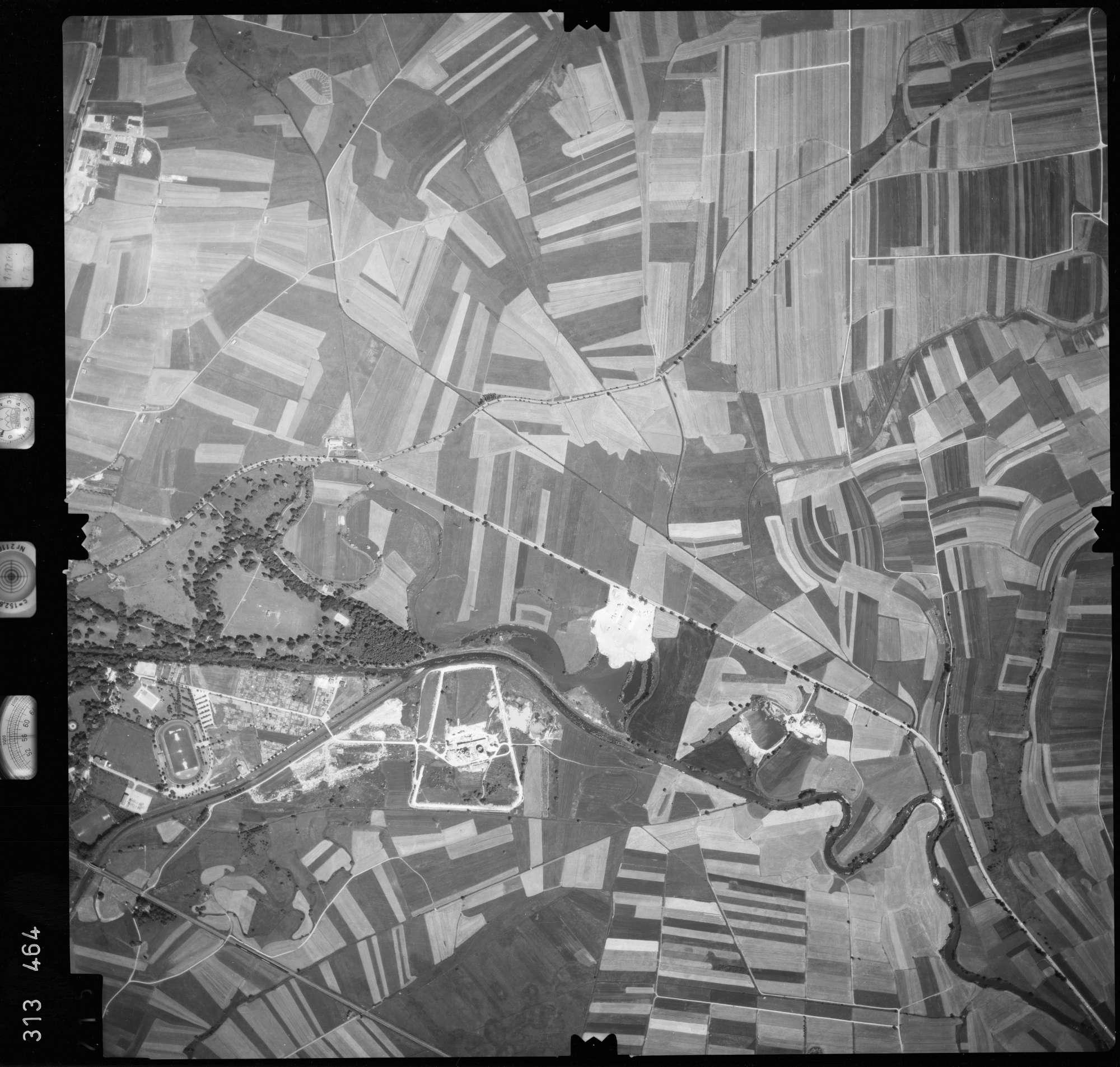 Luftbild: Film 56 Bildnr. 715, Bild 1