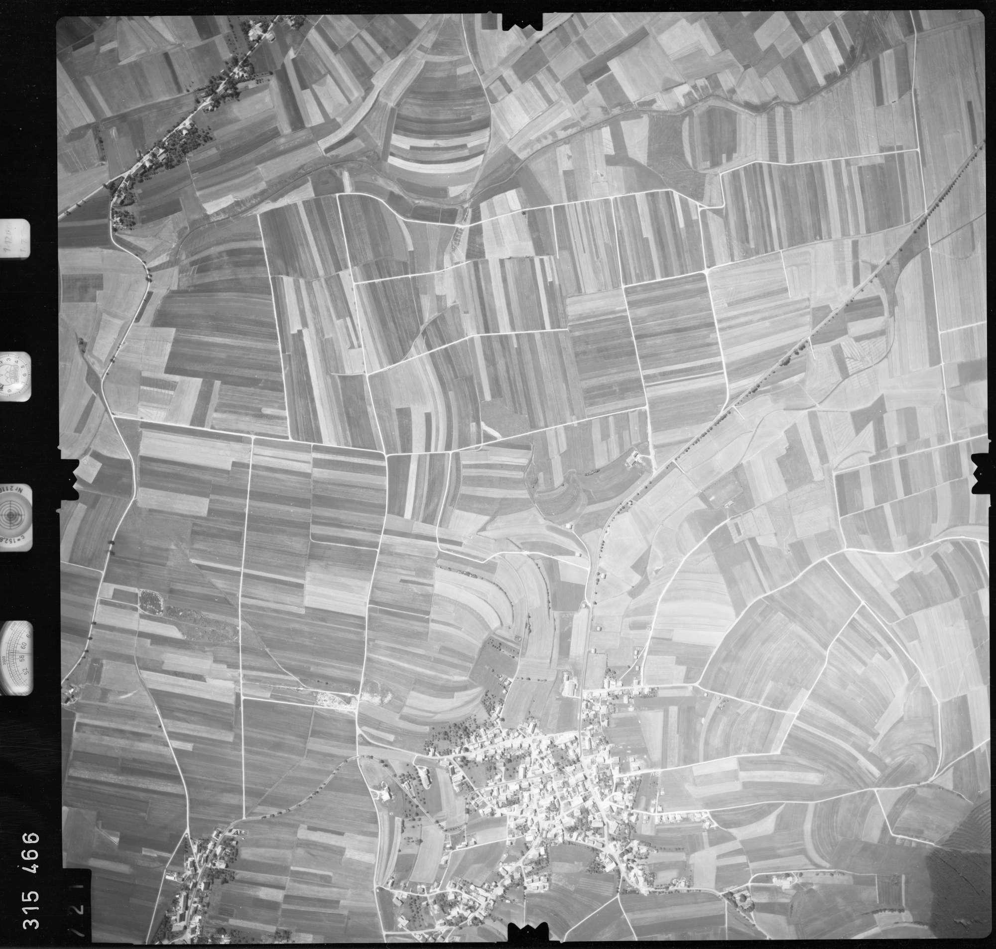 Luftbild: Film 56 Bildnr. 721, Bild 1