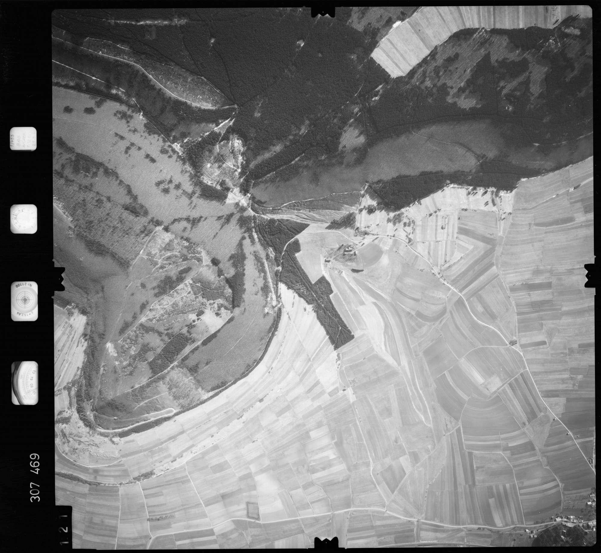 Luftbild: Film 61 Bildnr. 121, Bild 1