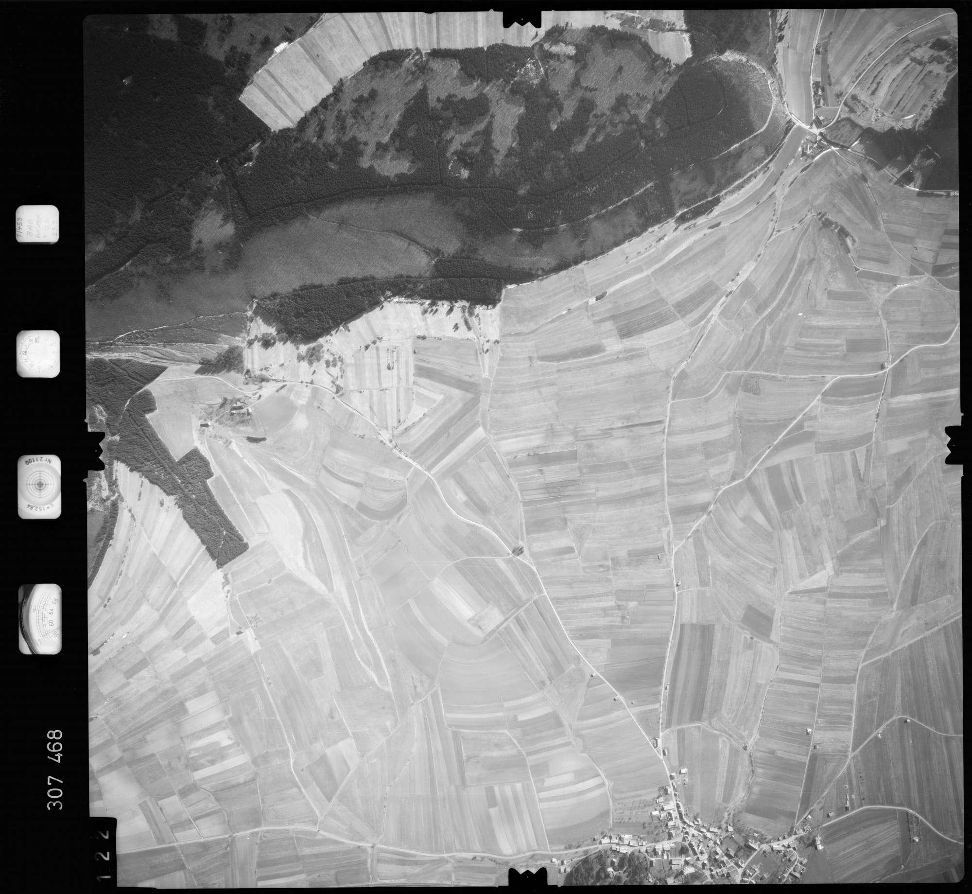 Luftbild: Film 61 Bildnr. 122, Bild 1