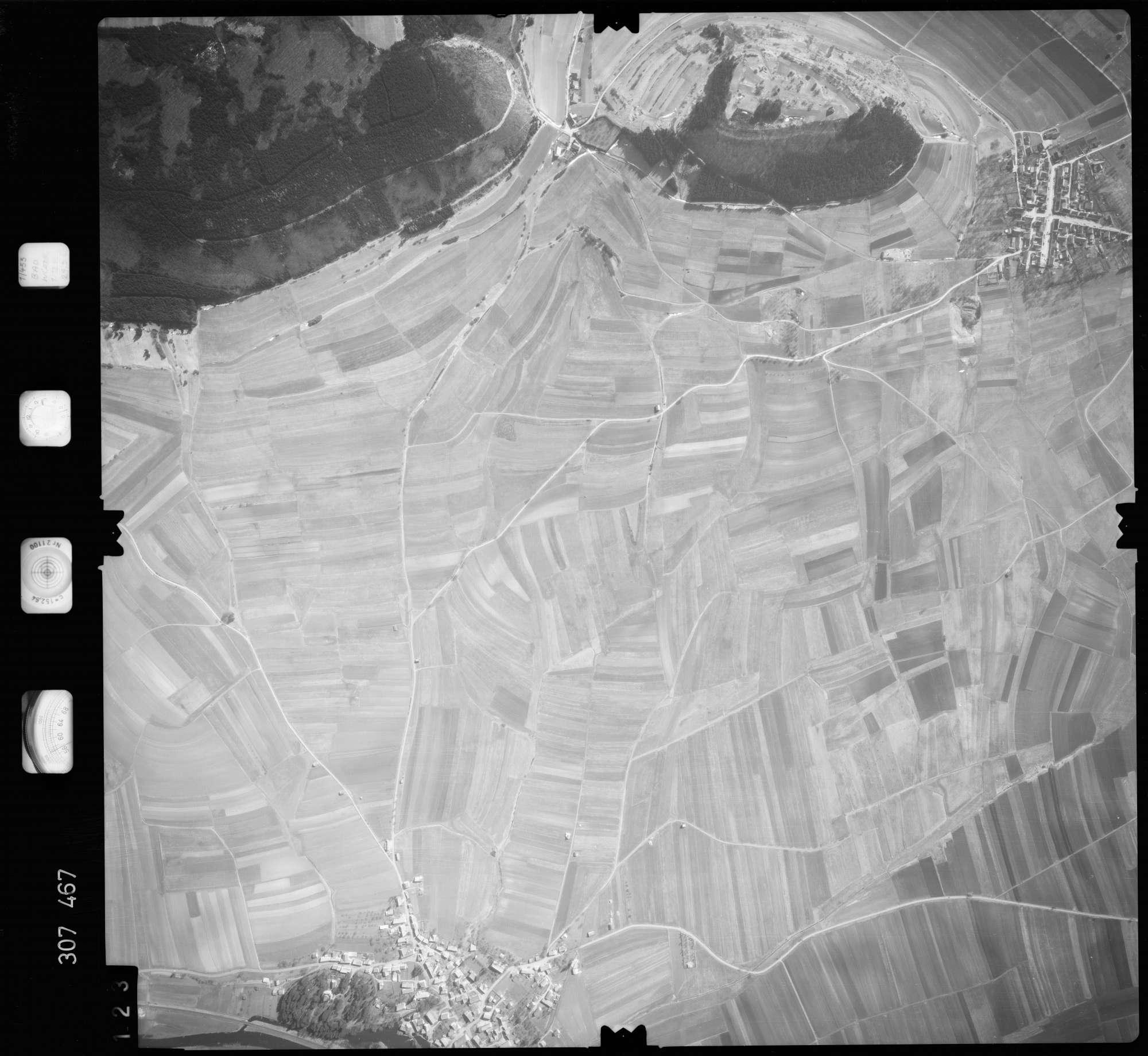 Luftbild: Film 61 Bildnr. 123, Bild 1