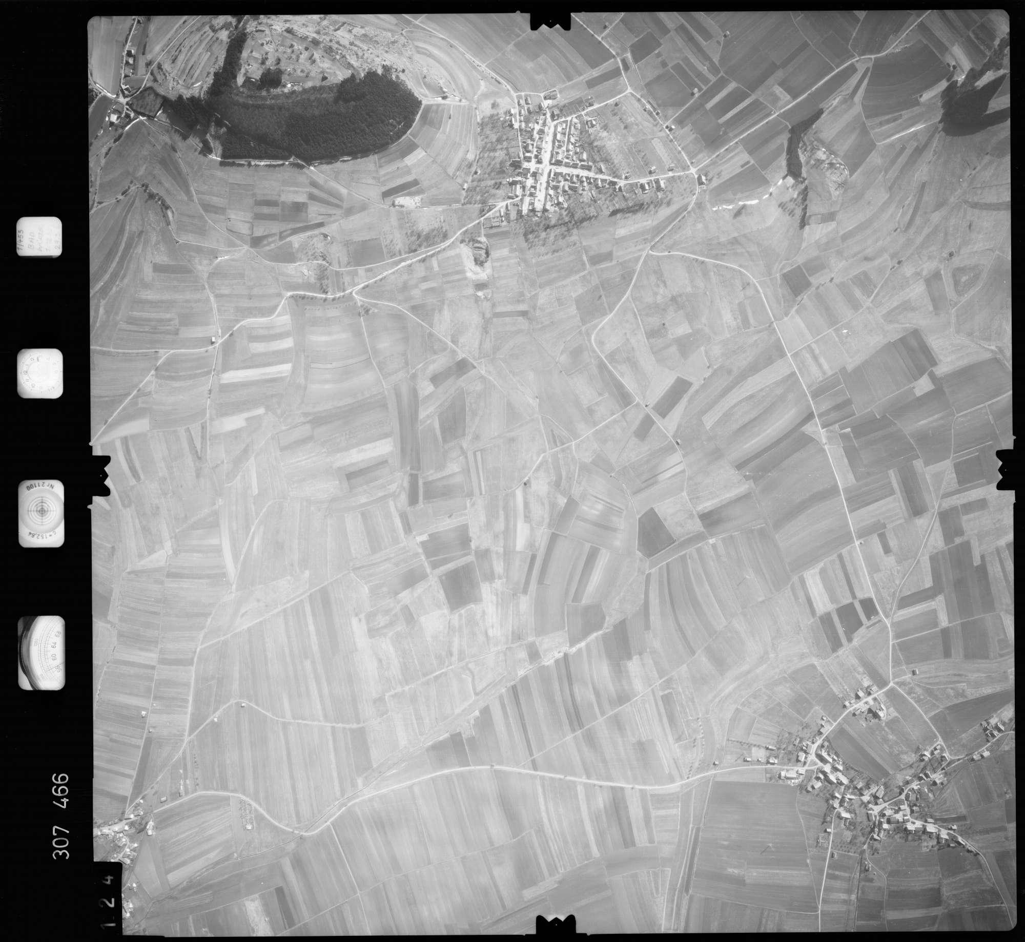 Luftbild: Film 61 Bildnr. 124, Bild 1
