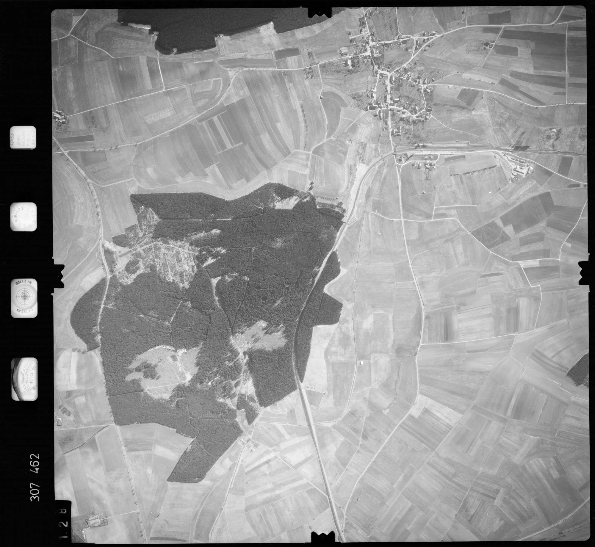 Luftbild: Film 61 Bildnr. 128, Bild 1