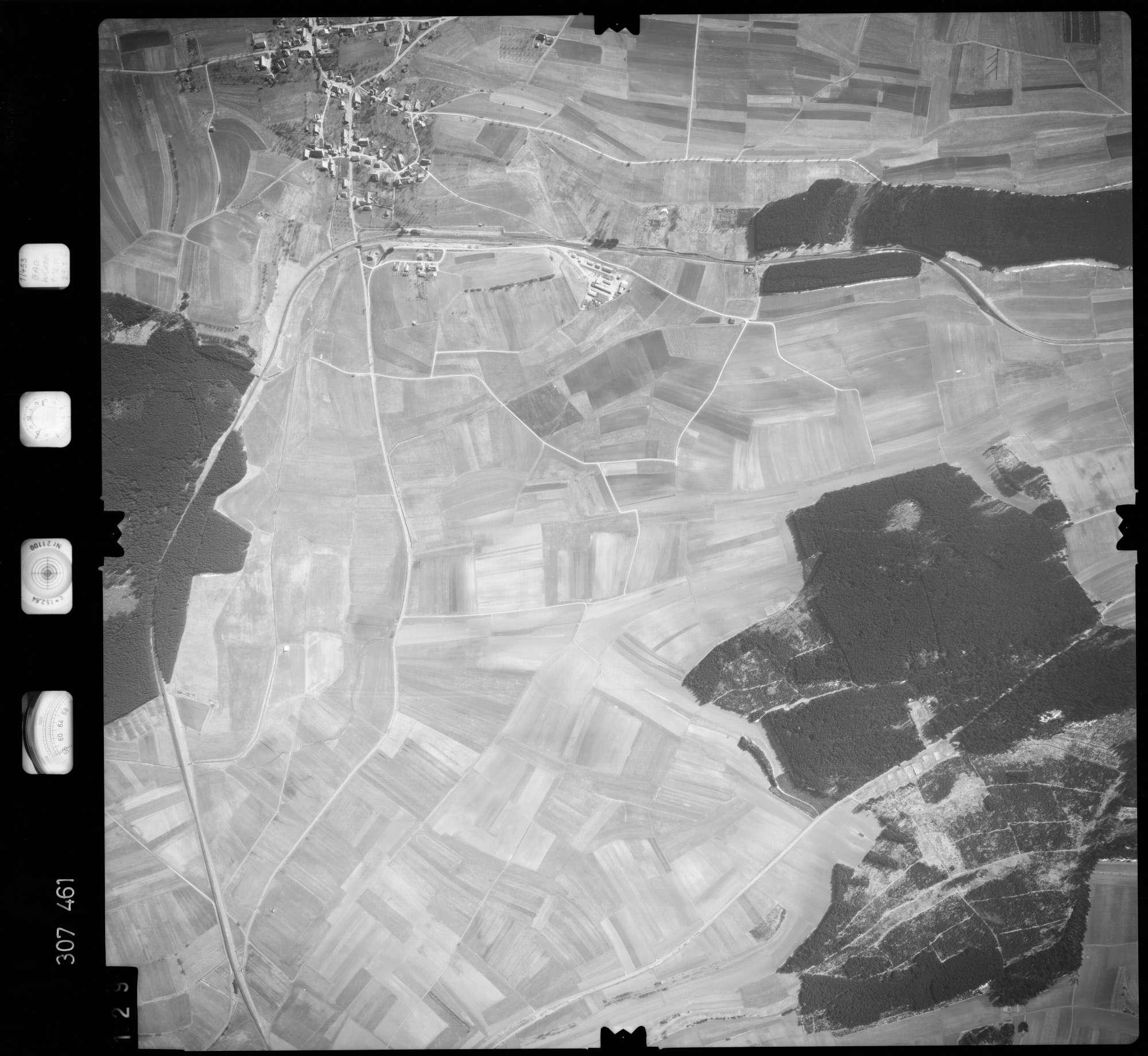 Luftbild: Film 61 Bildnr. 129, Bild 1