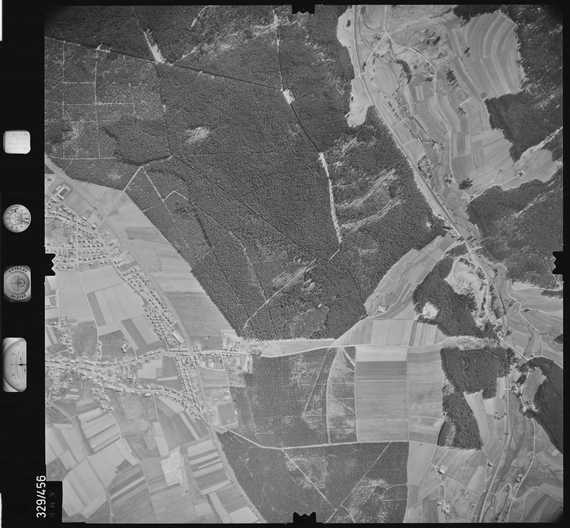 Luftbild: Film 89 Bildnr. 483, Bild 1