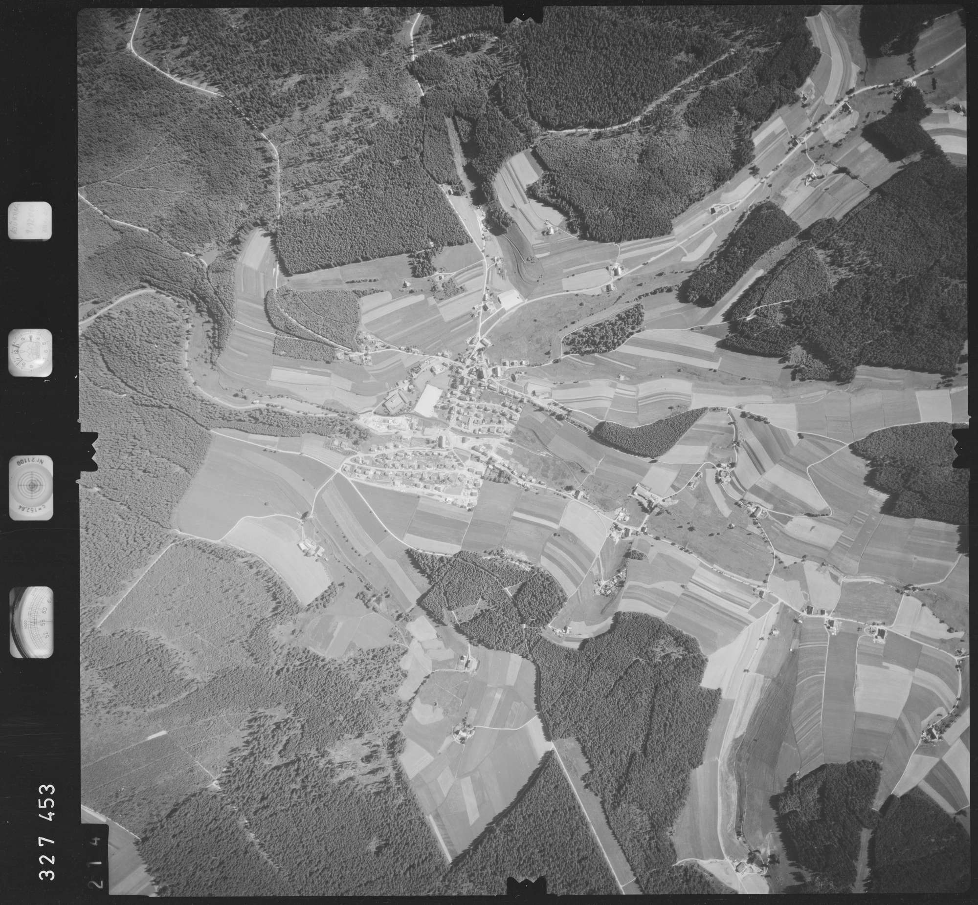 Luftbild: Film 48 Bildnr. 214, Bild 1