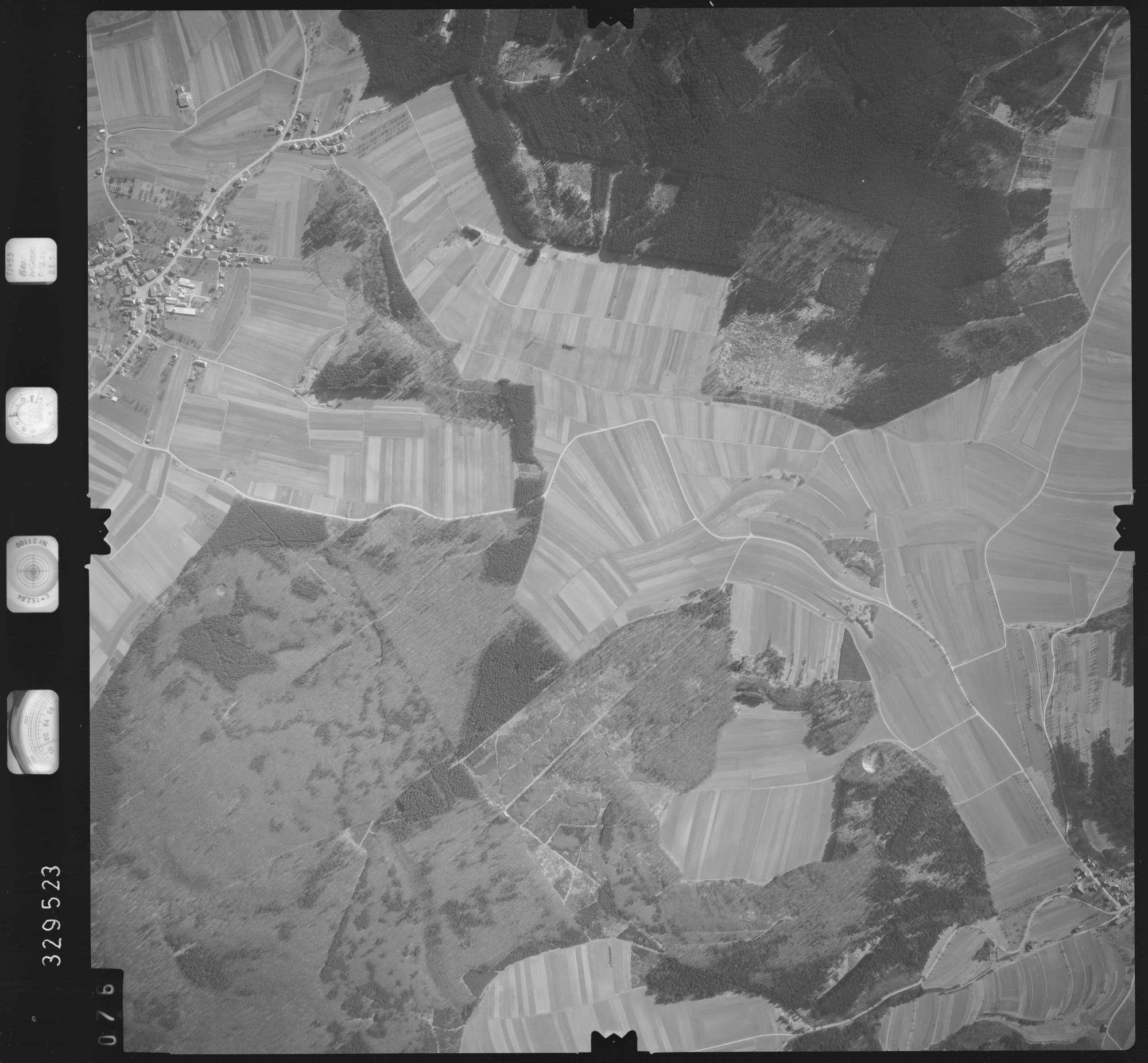 Luftbild: Film 51 Bildnr. 76, Bild 1