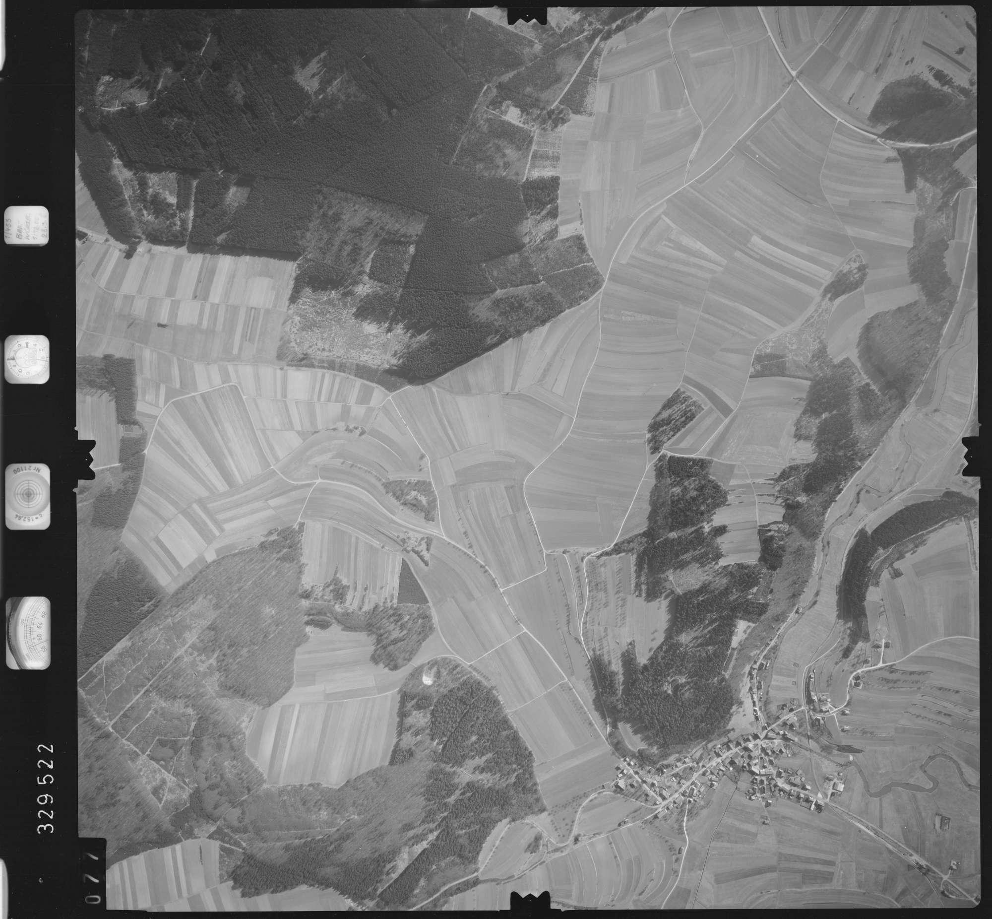 Luftbild: Film 51 Bildnr. 77, Bild 1