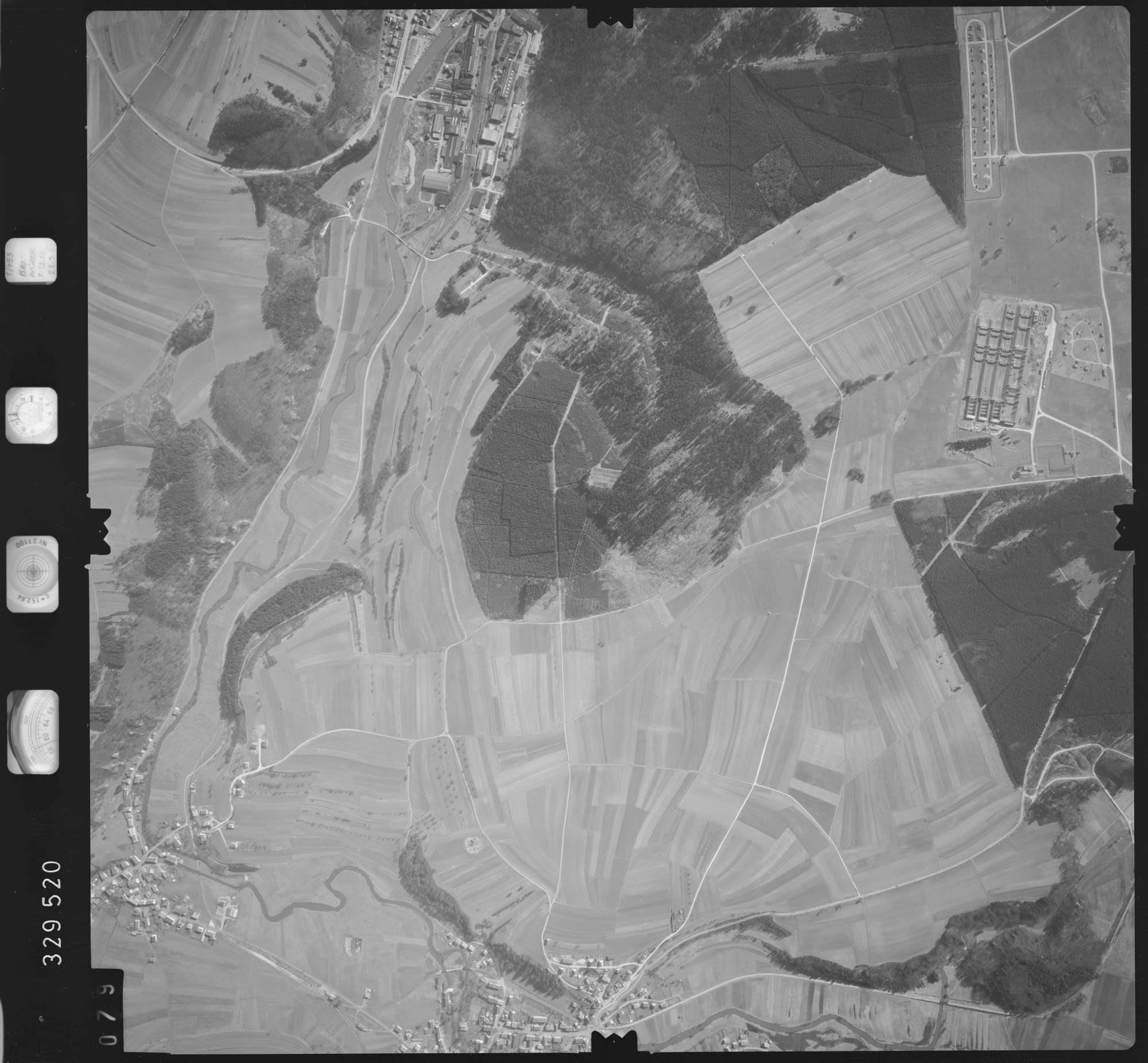 Luftbild: Film 51 Bildnr. 79, Bild 1