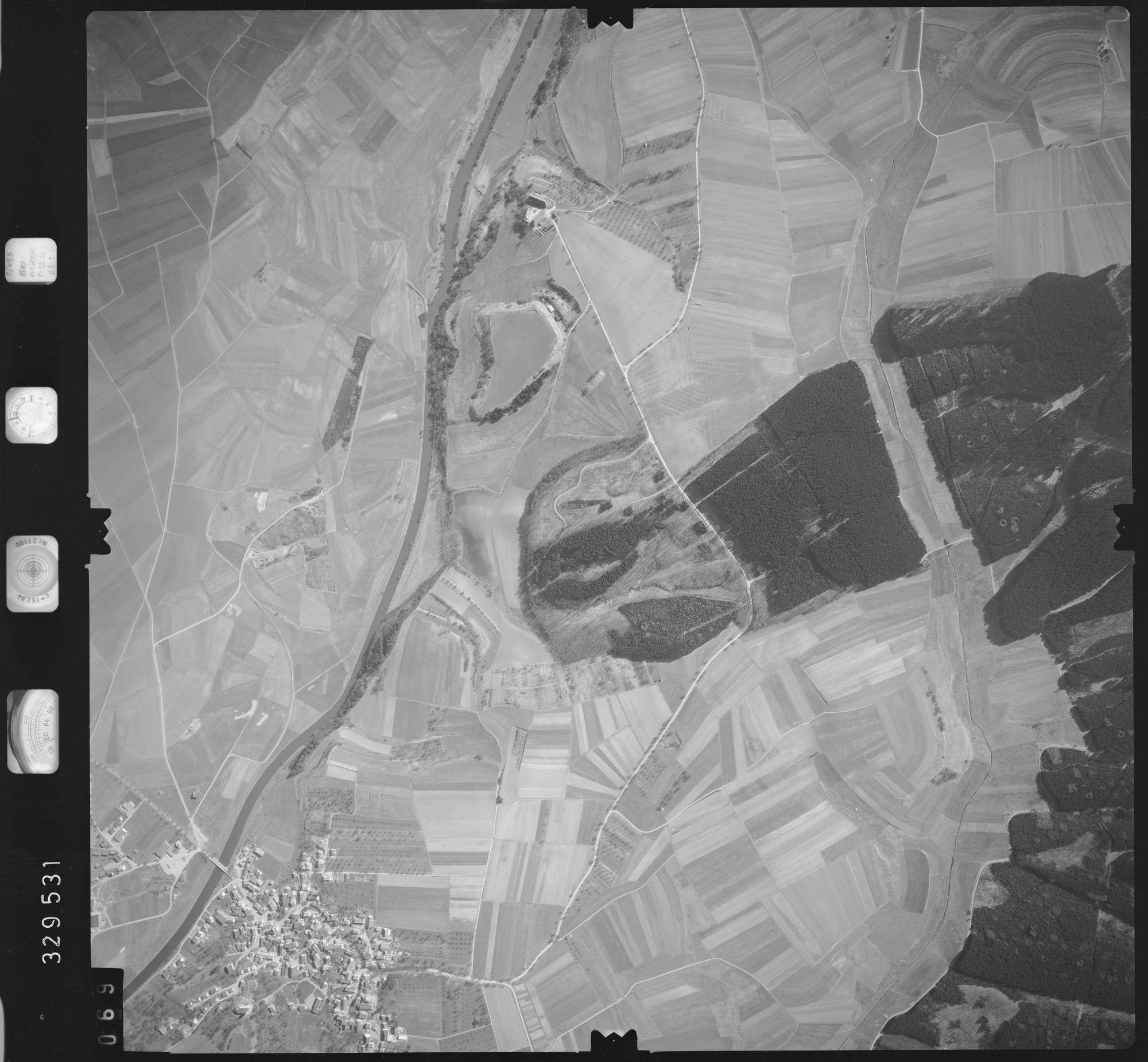 Luftbild: Film 51 Bildnr. 69, Bild 1