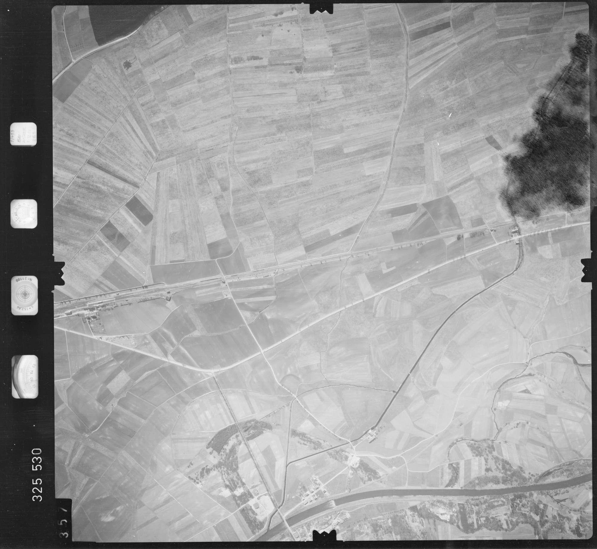 Luftbild: Film 52 Bildnr. 357, Bild 1