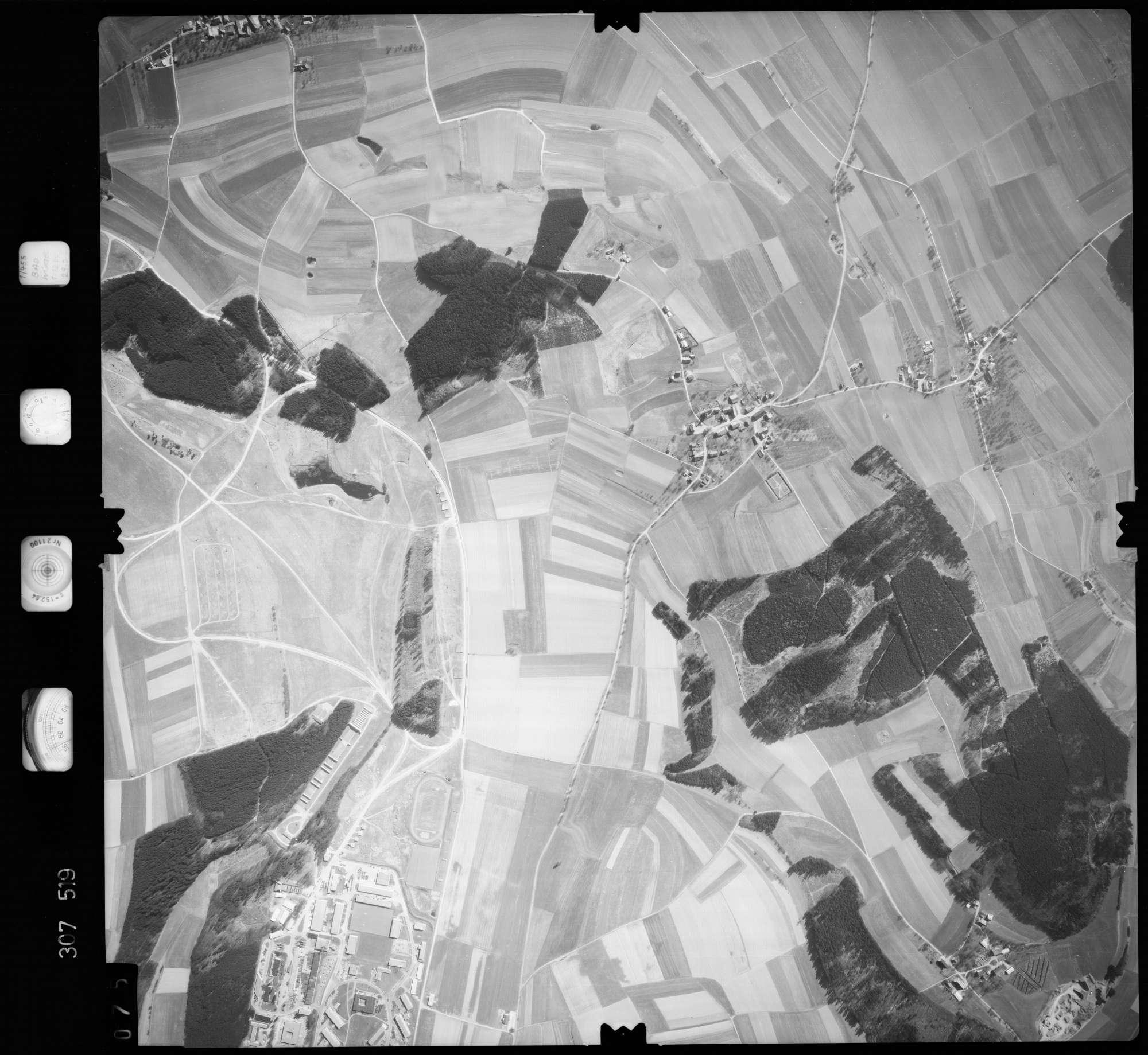 Luftbild: Film 61 Bildnr. 75, Bild 1