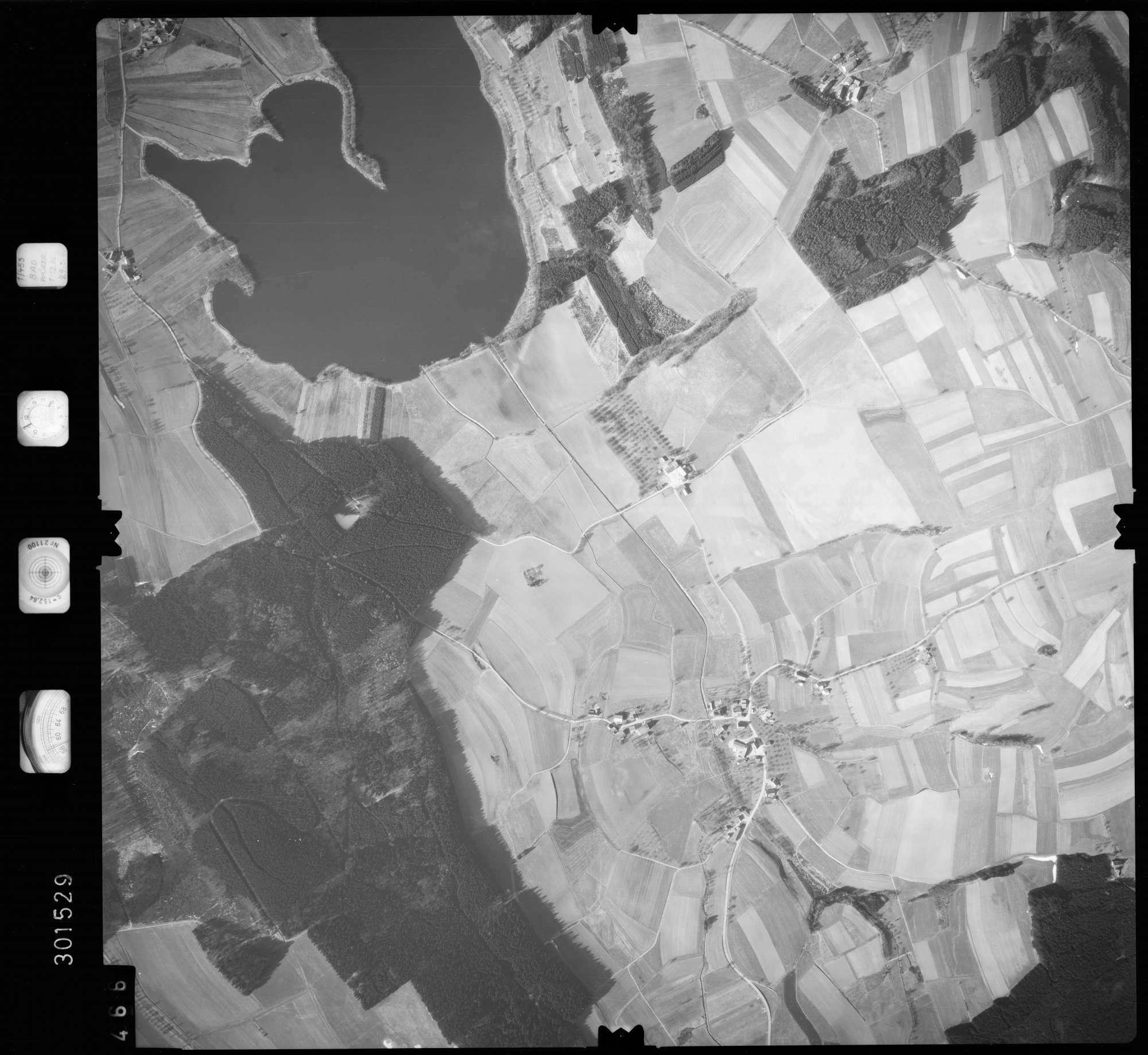 Luftbild: Film 64 Bildnr. 466, Bild 1
