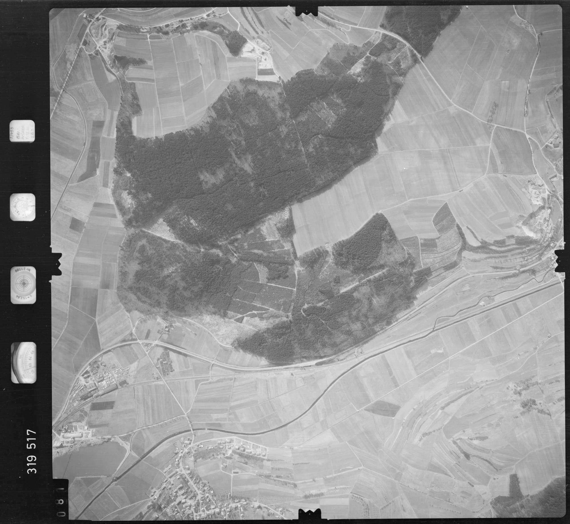 Luftbild: Film 57 Bildnr. 81, Bild 1
