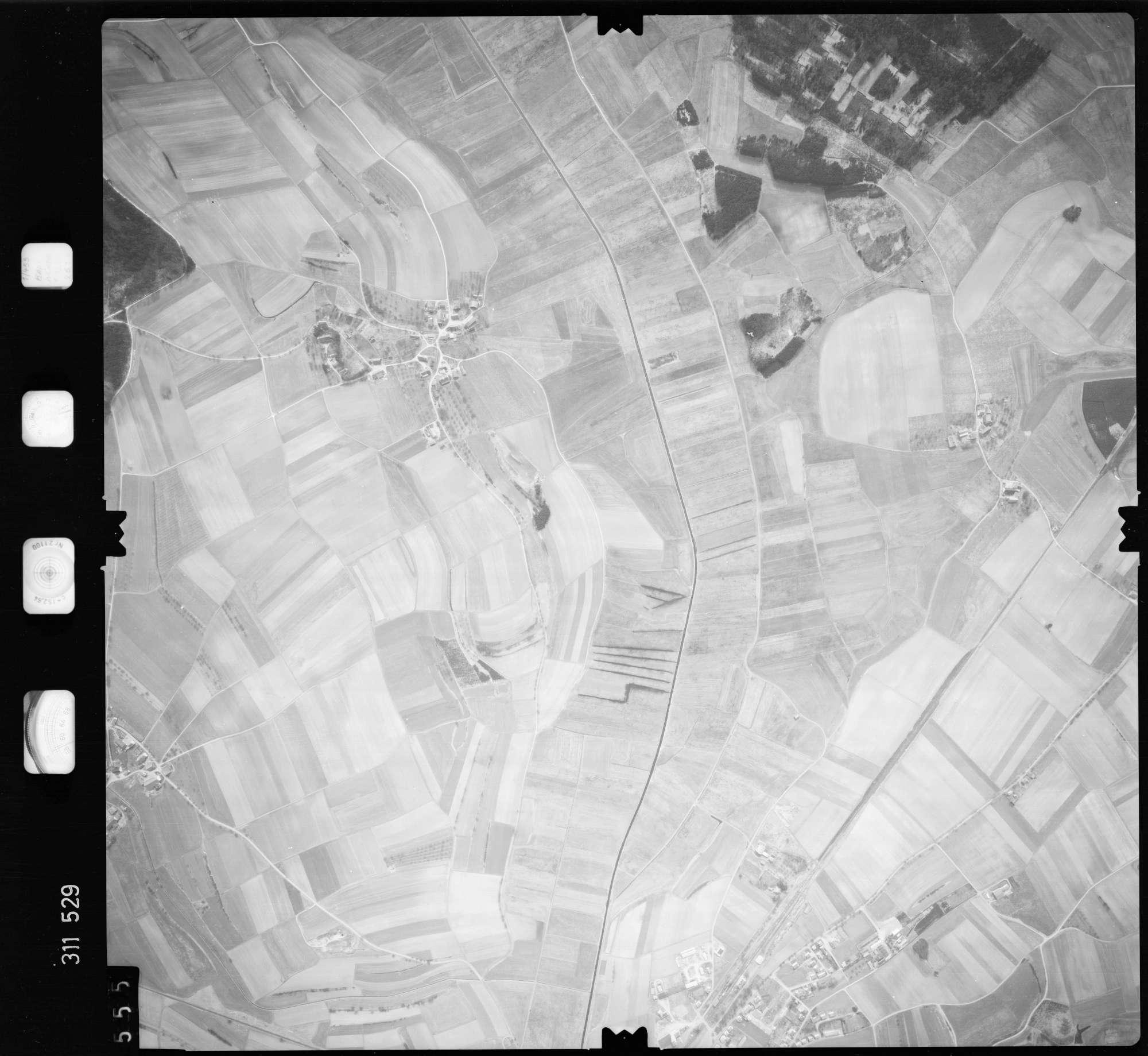 Luftbild: Film 58 Bildnr. 555, Bild 1