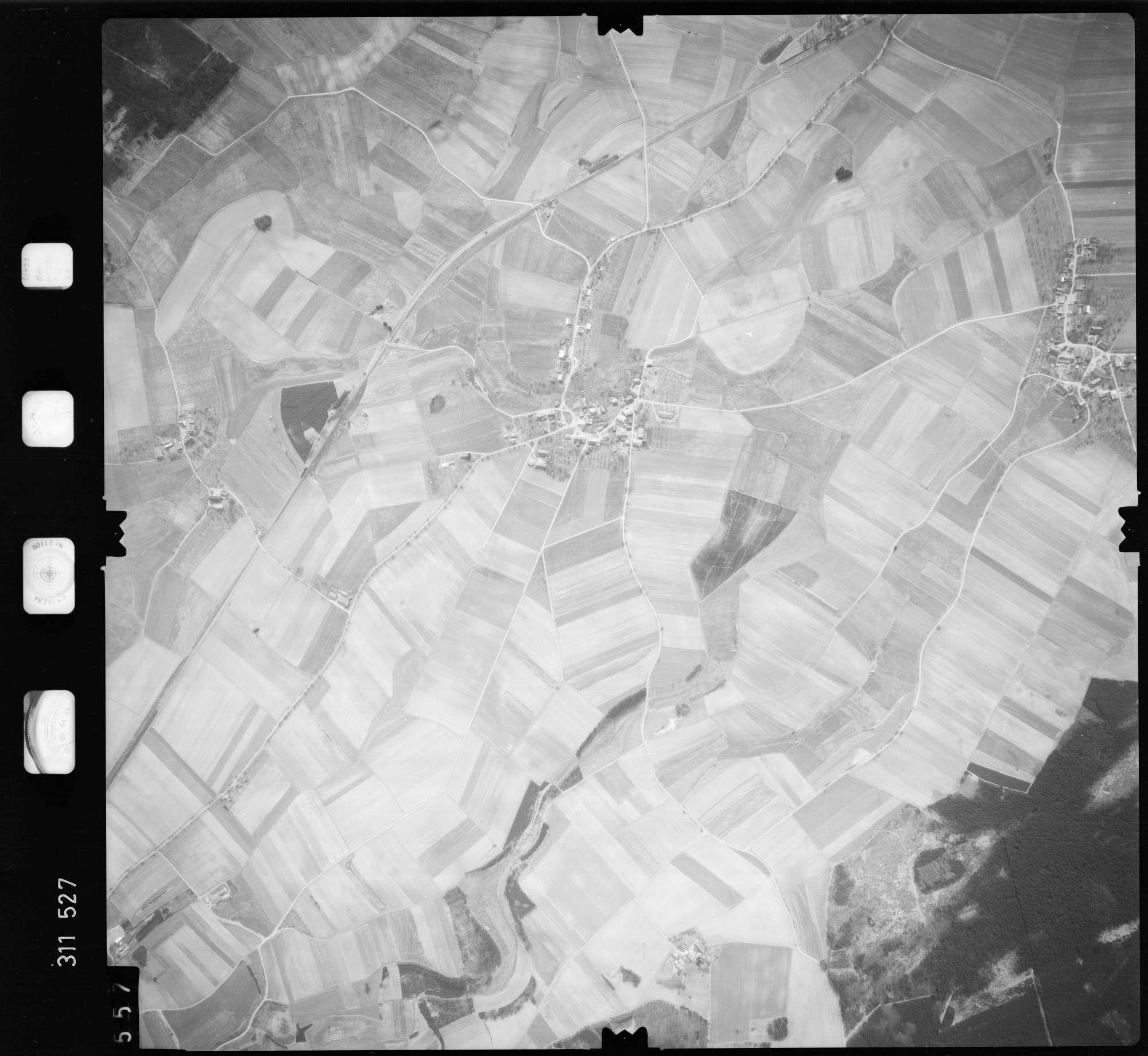 Luftbild: Film 58 Bildnr. 557, Bild 1