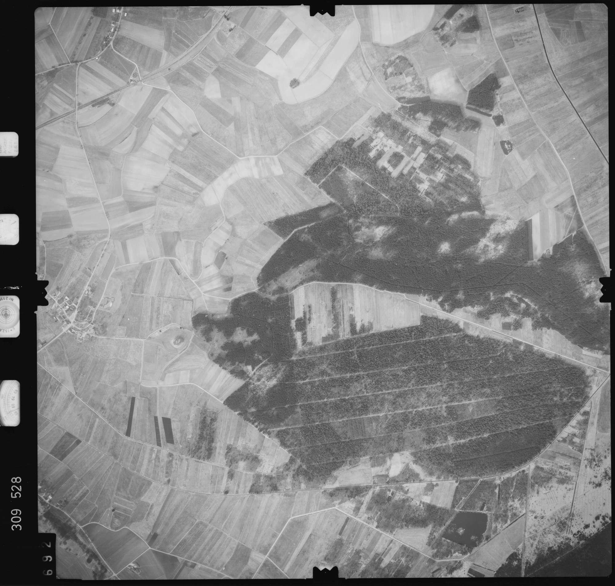 Luftbild: Film 59 Bildnr. 692, Bild 1