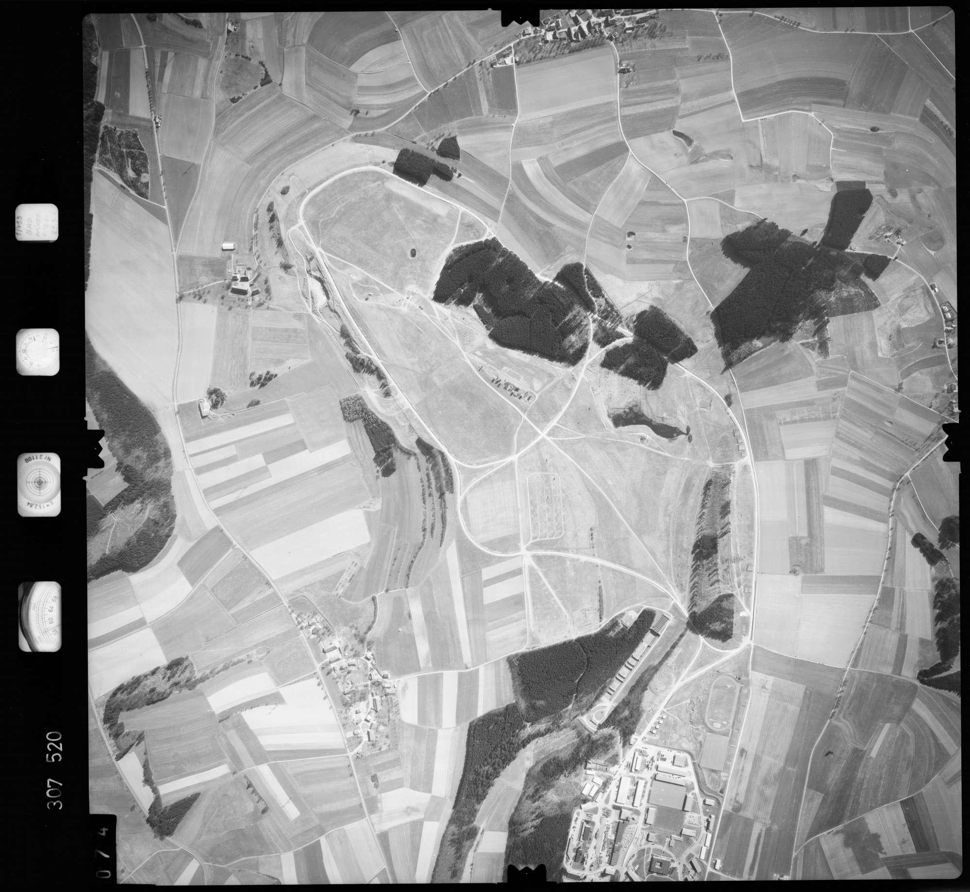 Luftbild: Film 61 Bildnr. 74, Bild 1