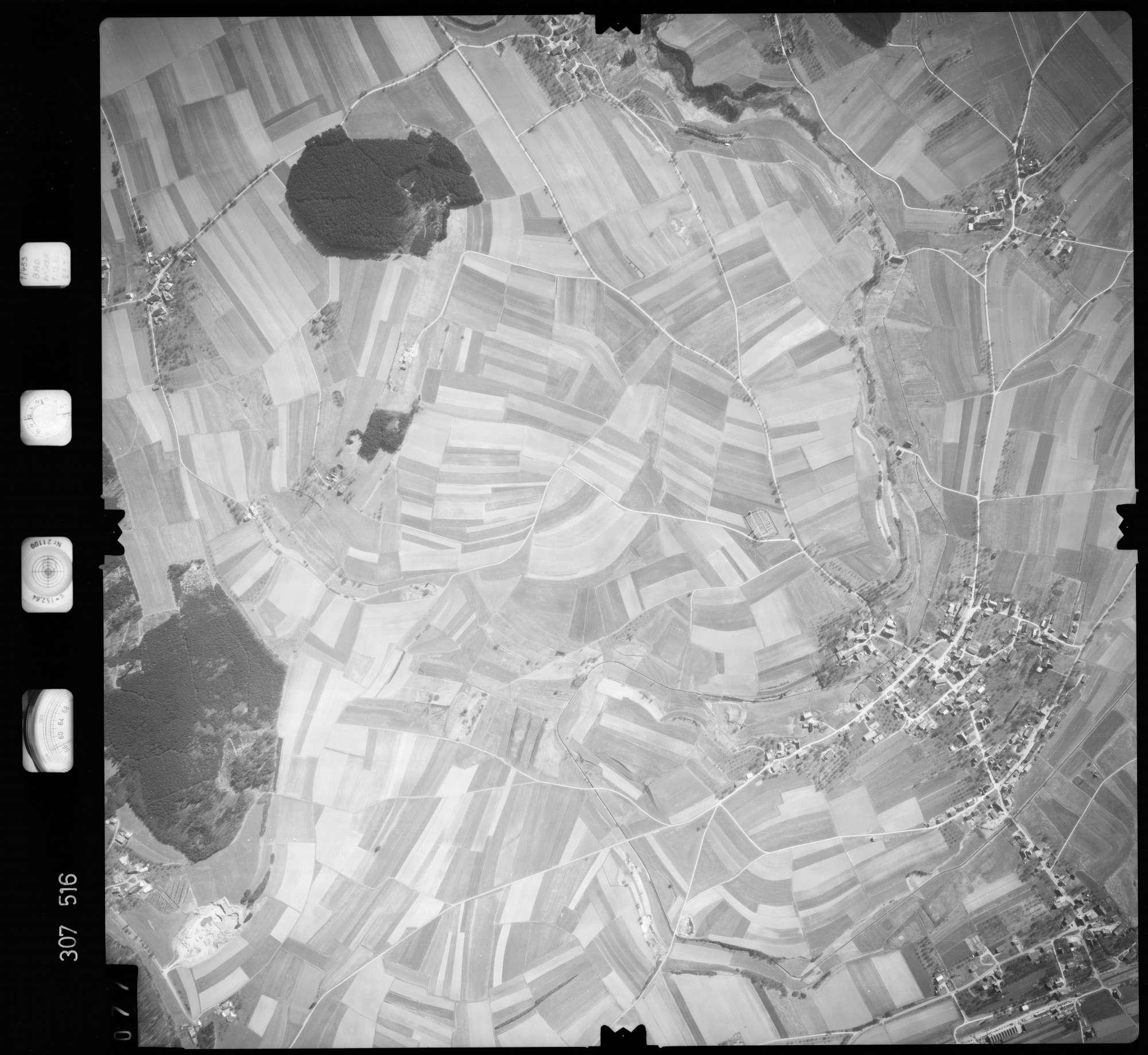Luftbild: Film 61 Bildnr. 77, Bild 1