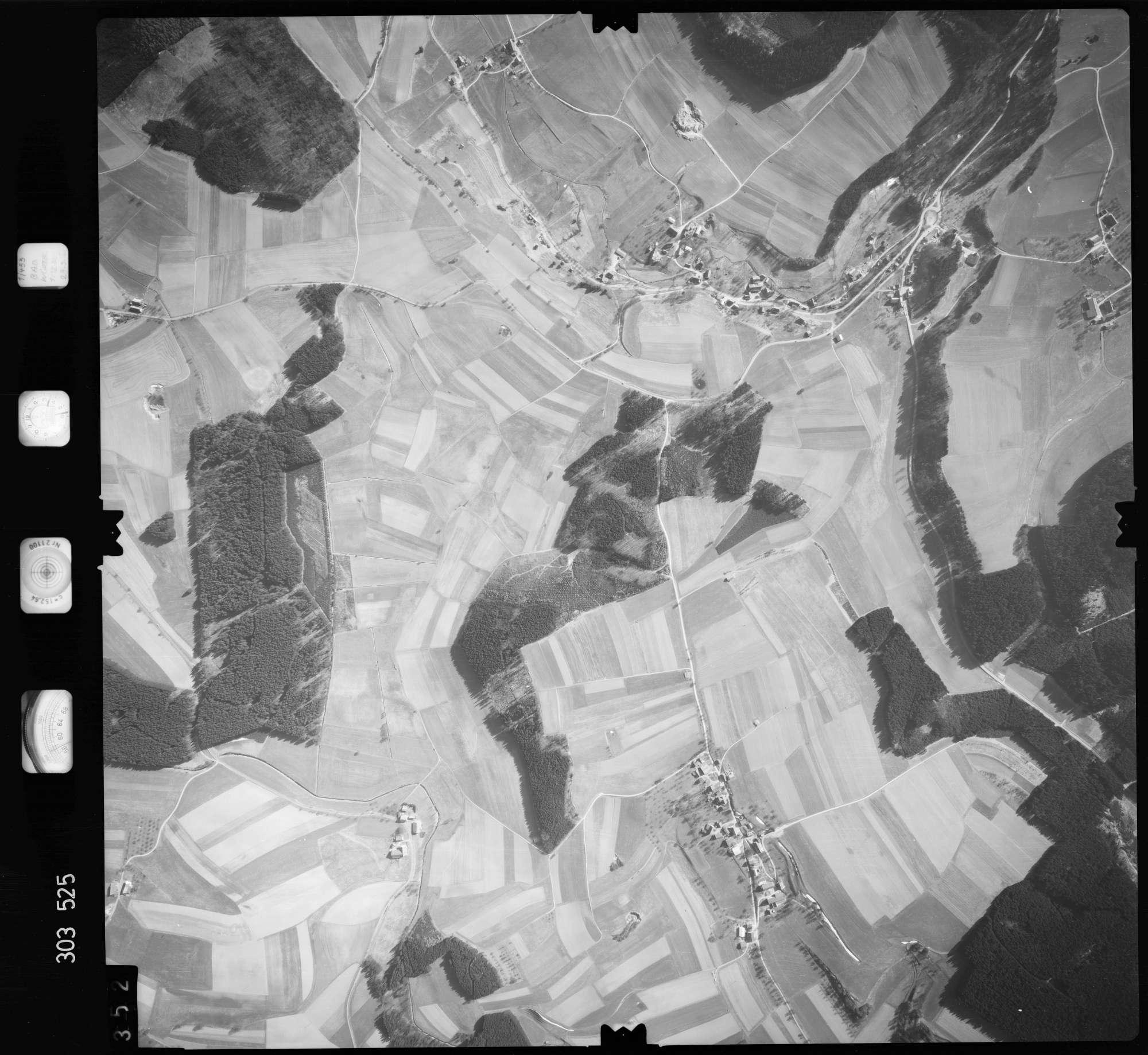 Luftbild: Film 64 Bildnr. 352, Bild 1