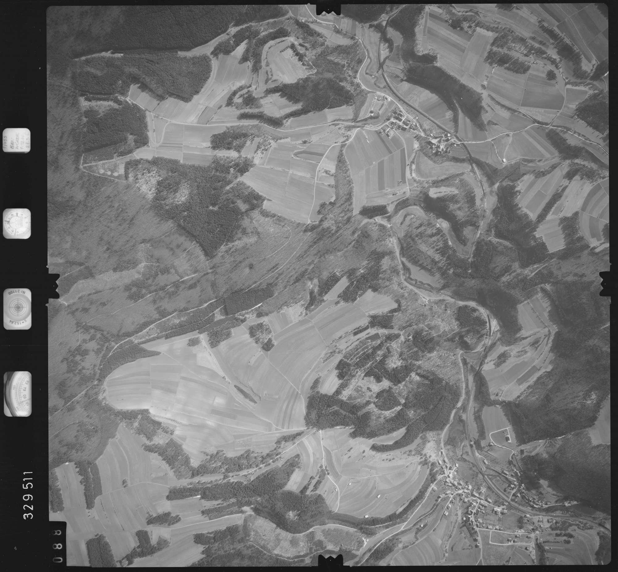 Luftbild: Film 51 Bildnr. 88, Bild 1