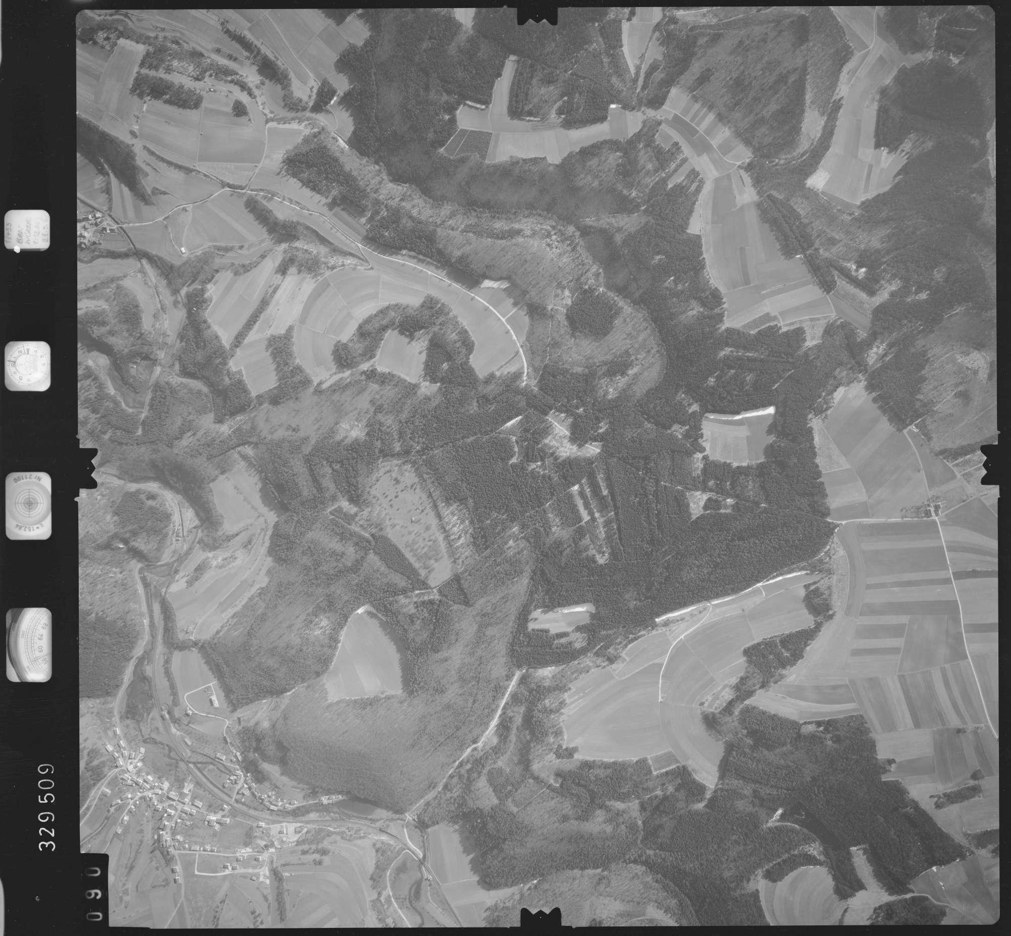 Luftbild: Film 51 Bildnr. 90, Bild 1