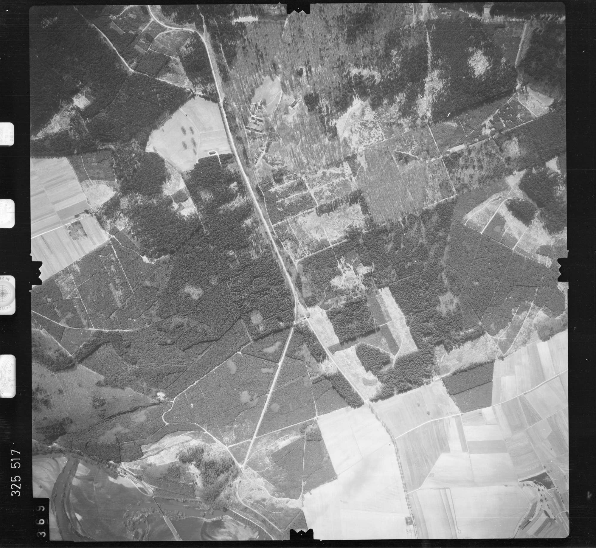 Luftbild: Film 52 Bildnr. 369, Bild 1