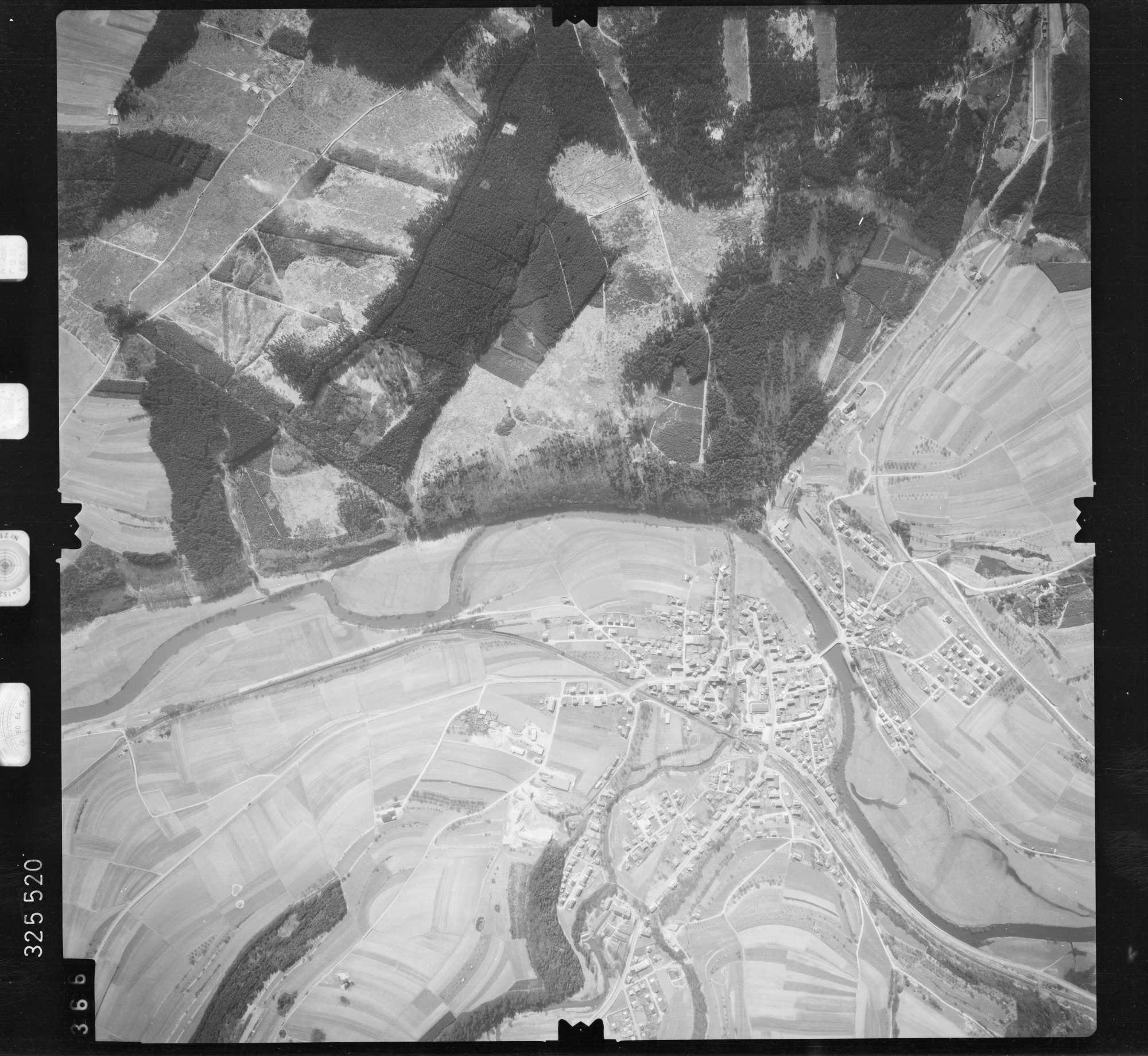Luftbild: Film 52 Bildnr. 366, Bild 1