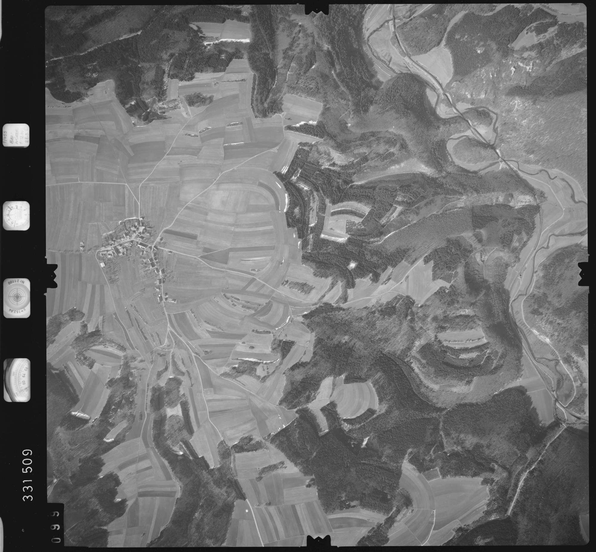 Luftbild: Film 51 Bildnr. 99, Bild 1